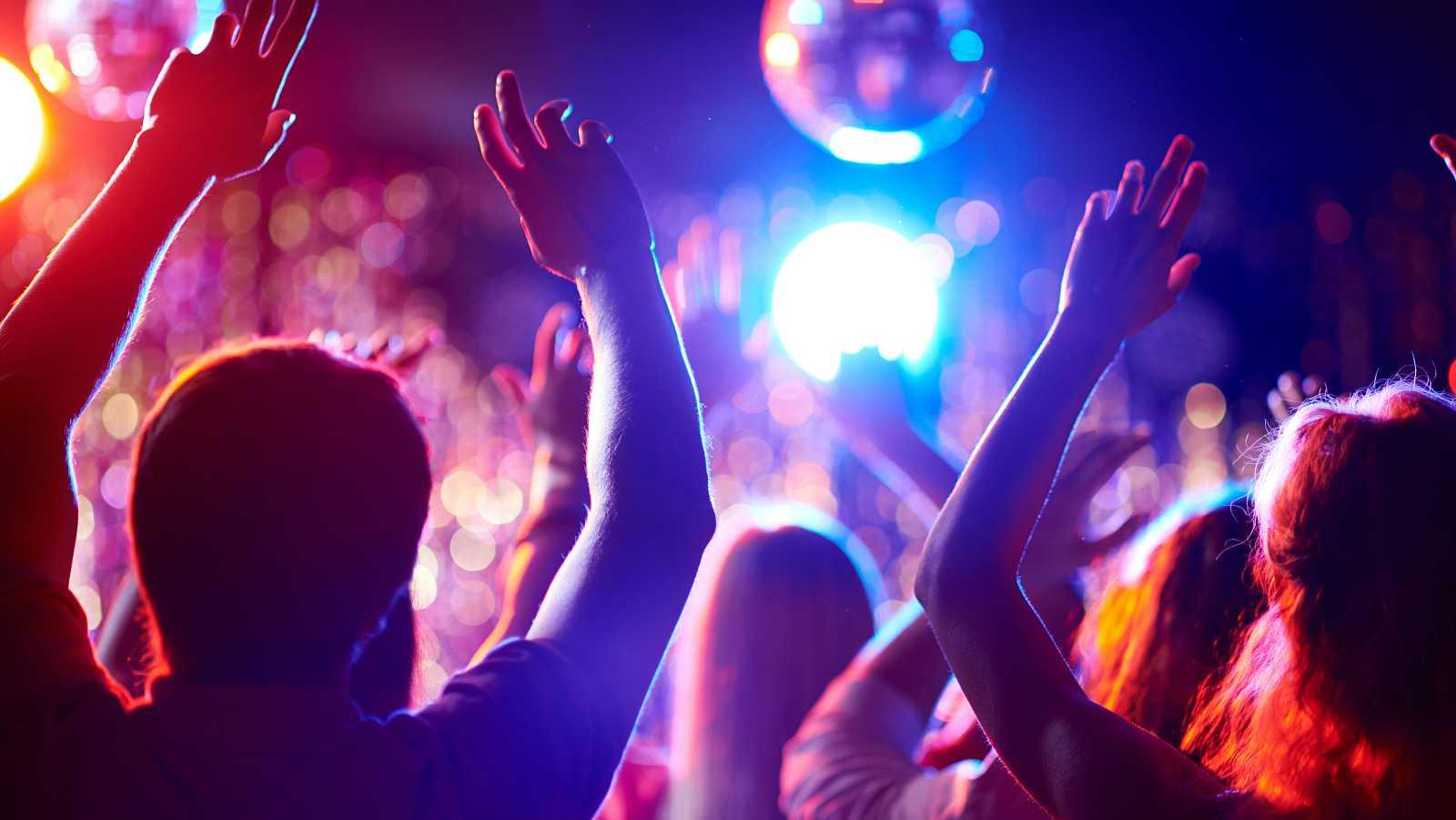La Generalitat y el ocio nocturno acuerdan abrir las discotecas en Cataluña hasta las tres de la madrugada