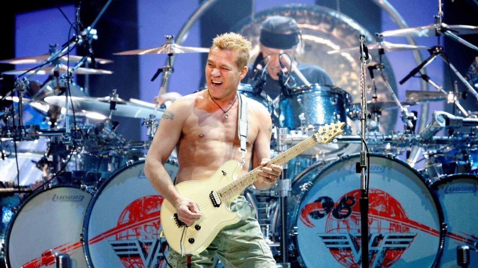 Eddie Van Halen durante un actuación en Las Vegas en 2008