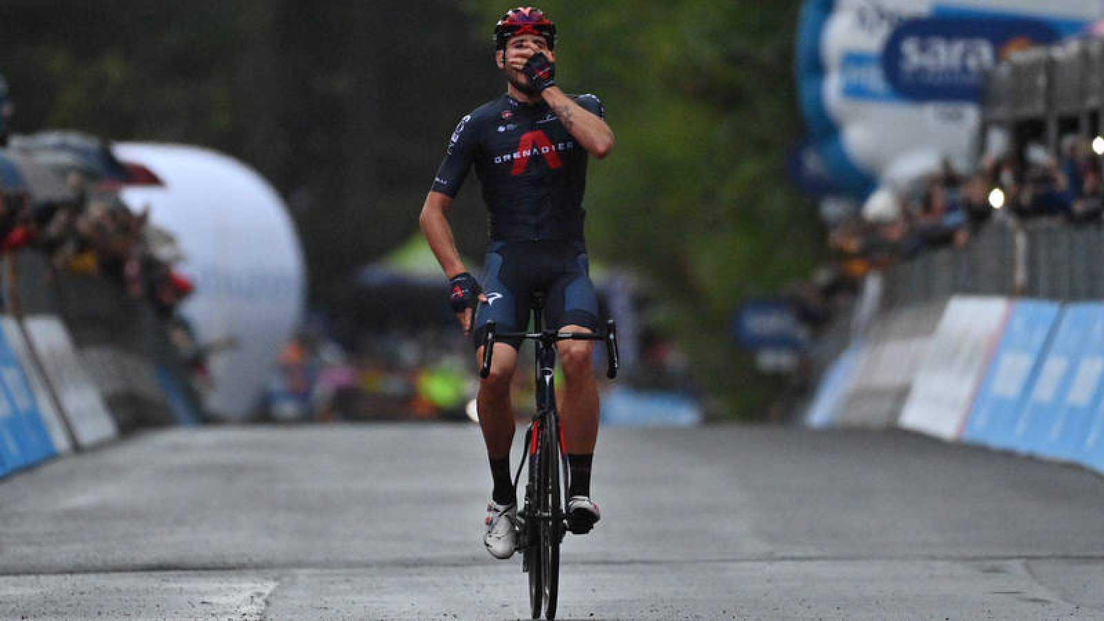 El italiano Filippo Ganna (Ineos) vence con una exhibición de fuerza la quinta etapa del Giro de Italia 2020.