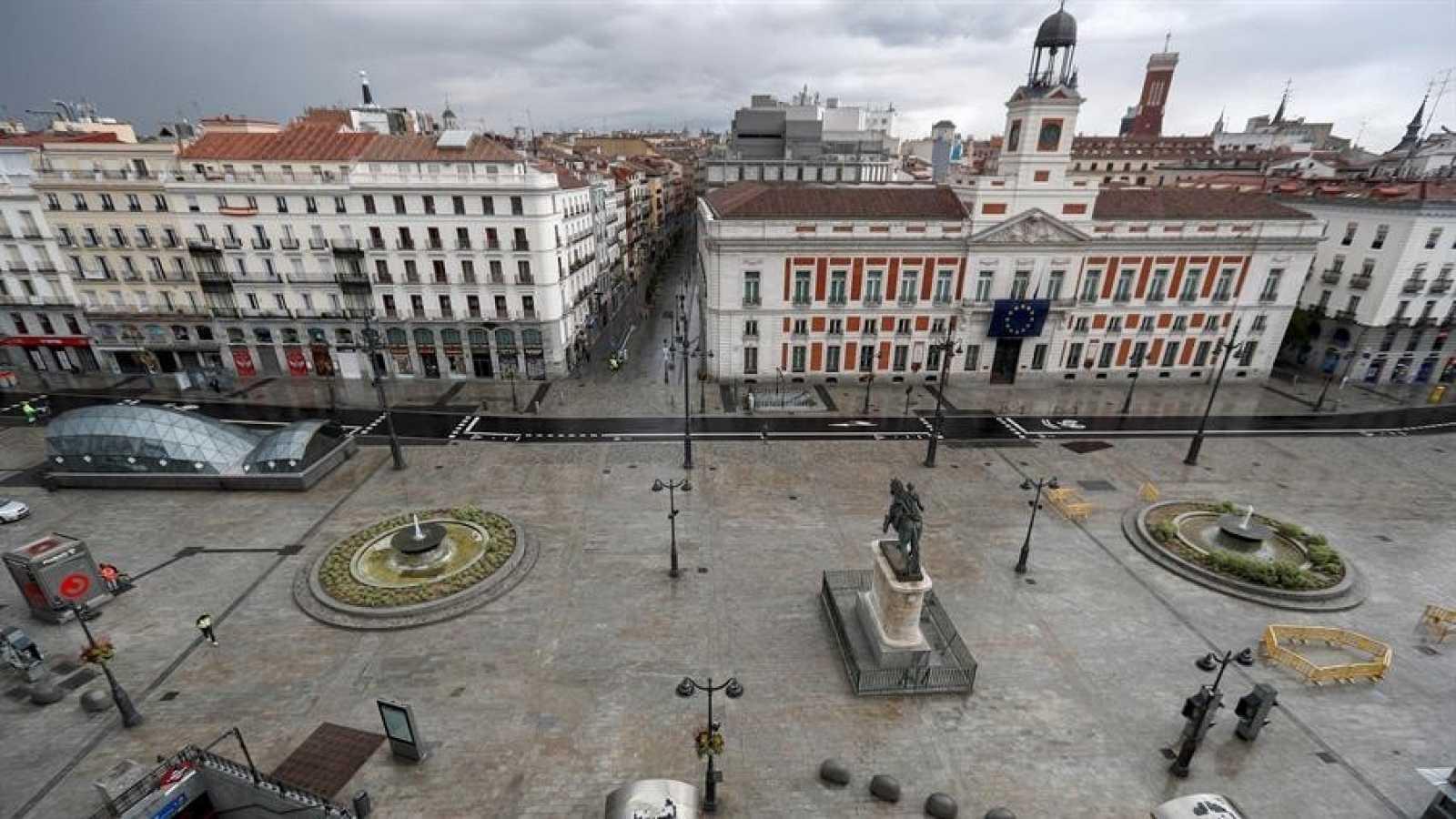 Vista de la Plaza del Sol vacía, lugar donde se inició hace 9 años el movimiento político-social del 15M.