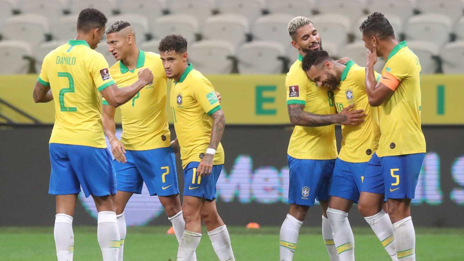 elicitan a Coutinho, autor de uno de los goles de la 'canarinha' ante Bolivia.