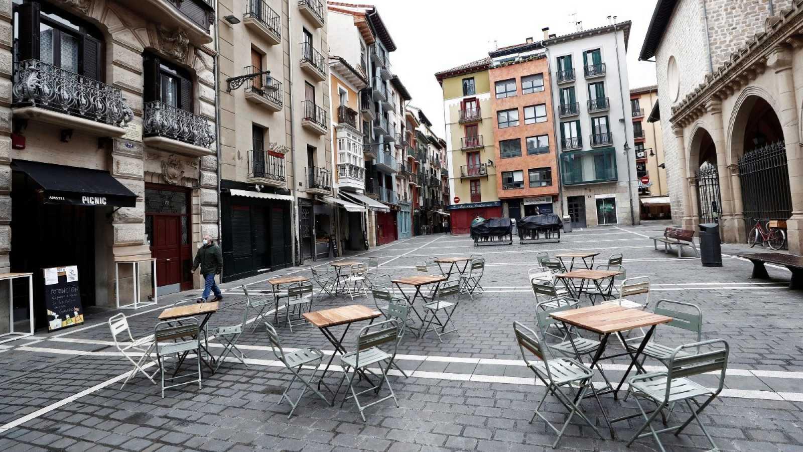 Imagen de las terrazas de los bares del casco viejo de Pamplona, Navarra.