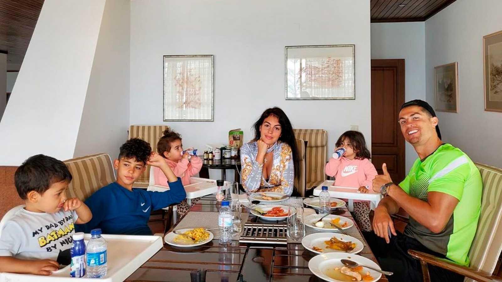 Cristiano Ronaldo con su familia