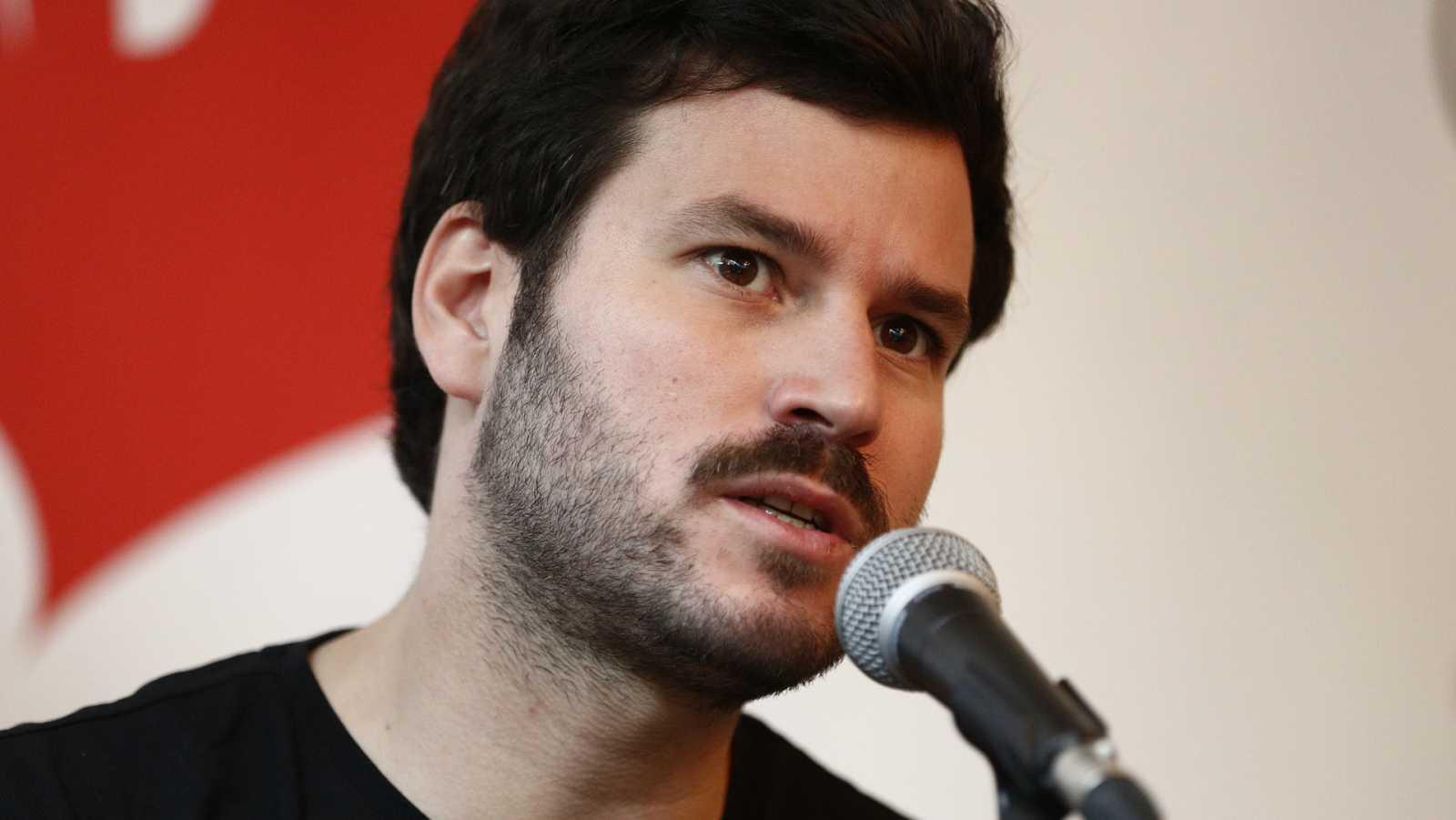 Willy Bárcenas, vocalista del grupo musical Taburete
