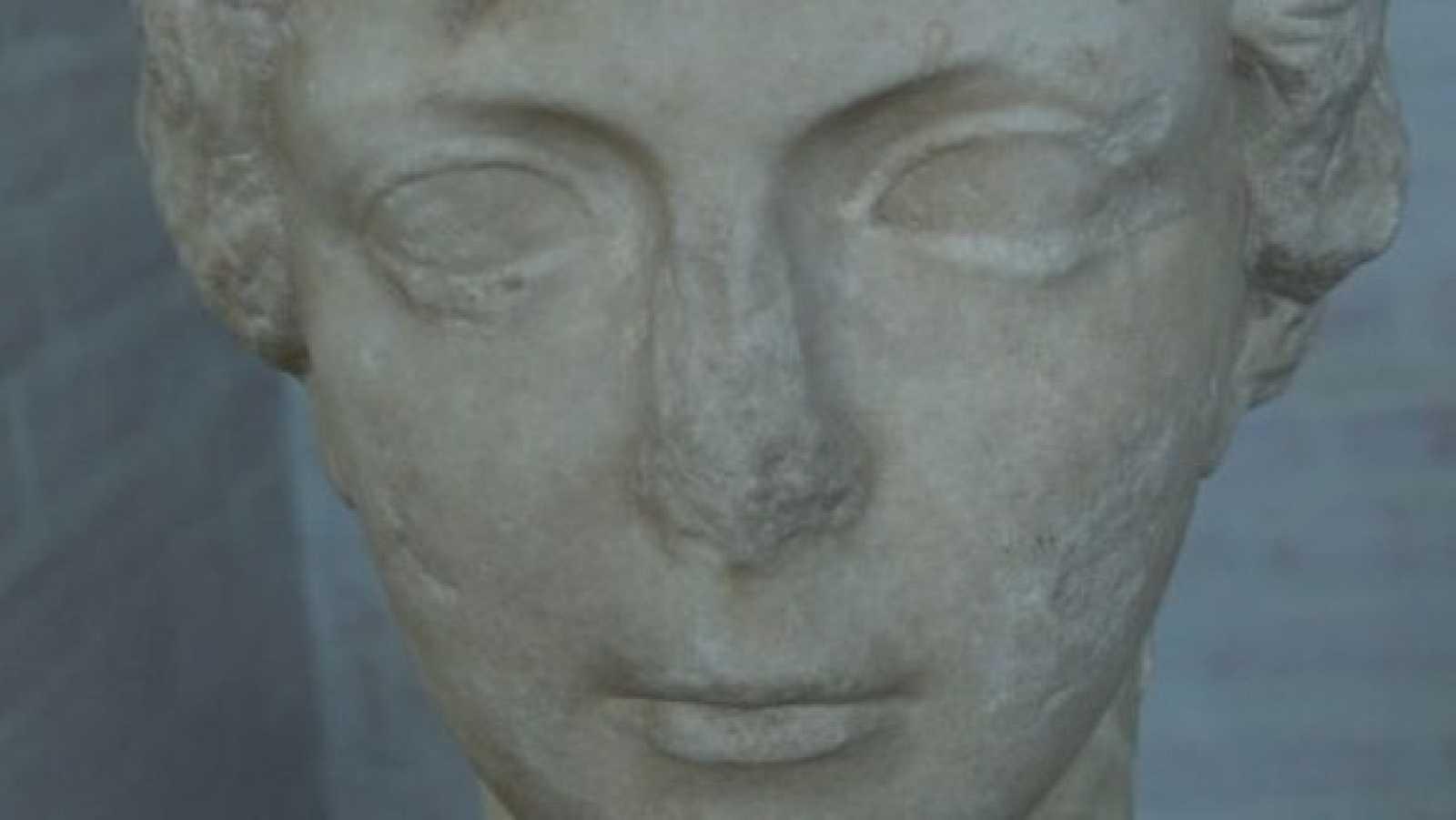 Detalle del busto romano de Antonia Minor recuperado en Múnich diez años después.