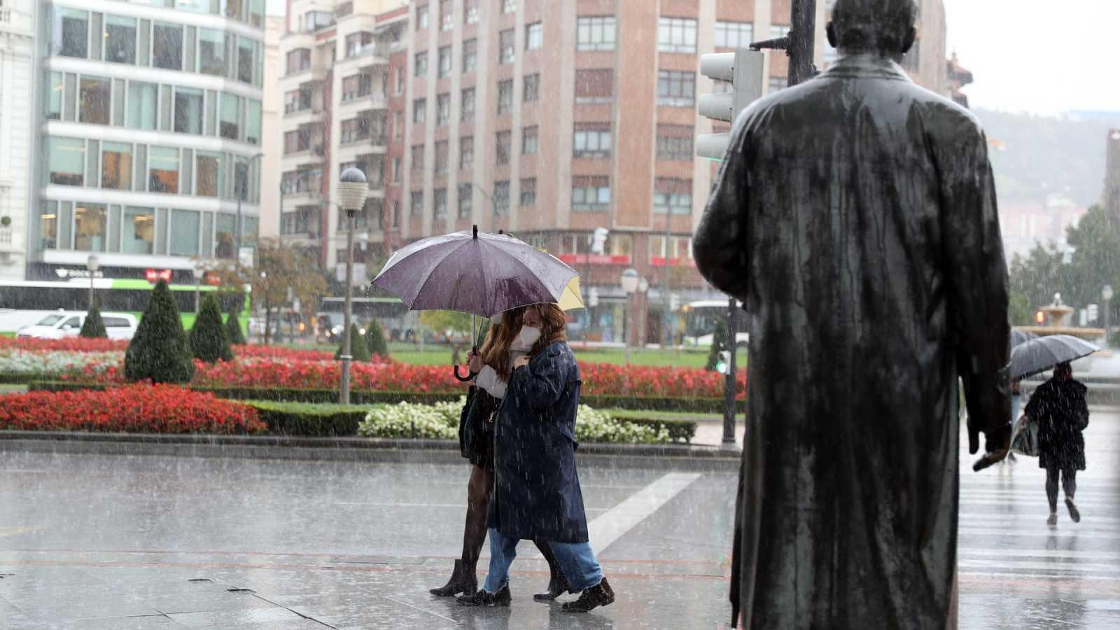La borrasca 'Bárbara' dejará viento y lluvia en todo el país