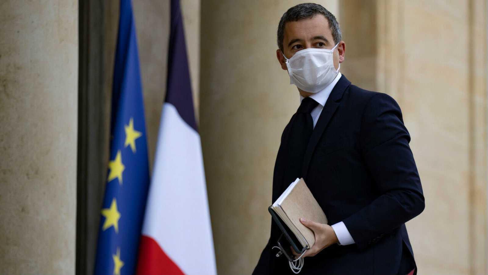 El ministro del Interior francés, Gerald Darmanin, llega para una reunión en el Palacio del Elíseo en París, Francia.