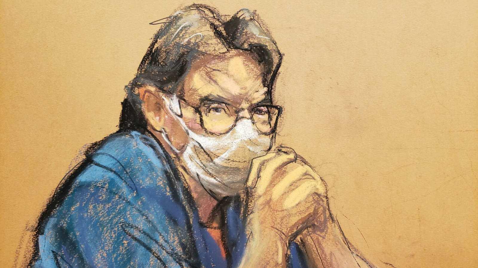 El líder de la secta NXIVM, Keith Raniere, observa durante su audiencia de sentencia en un caso de tráfico sexual y crimen organizado dentro del Tribunal Federal de Brooklyn en Nueva York, EE. UU., Nueva York, EE. UU.