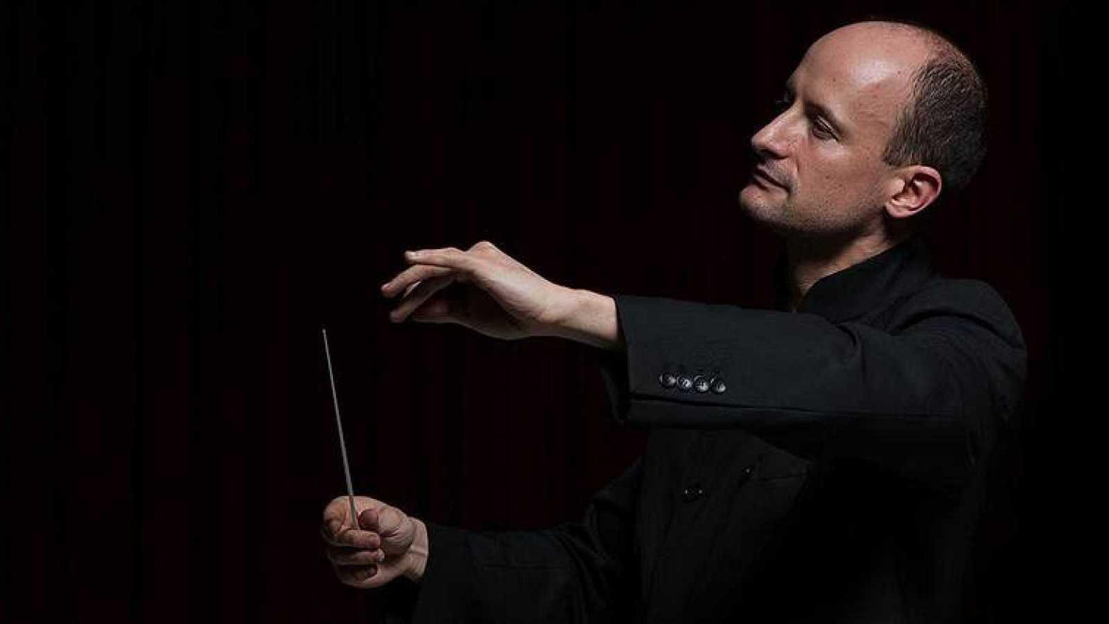 El director de orquesta Guillermo García Calvo