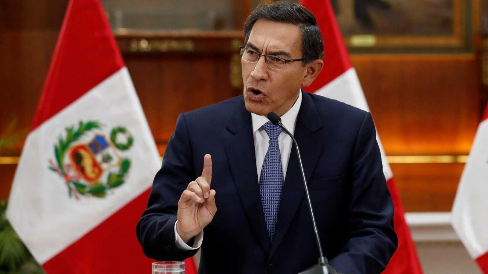 El presidente de Perú, Martín Vizcarra, durante un mensaje a la nación desde Lima