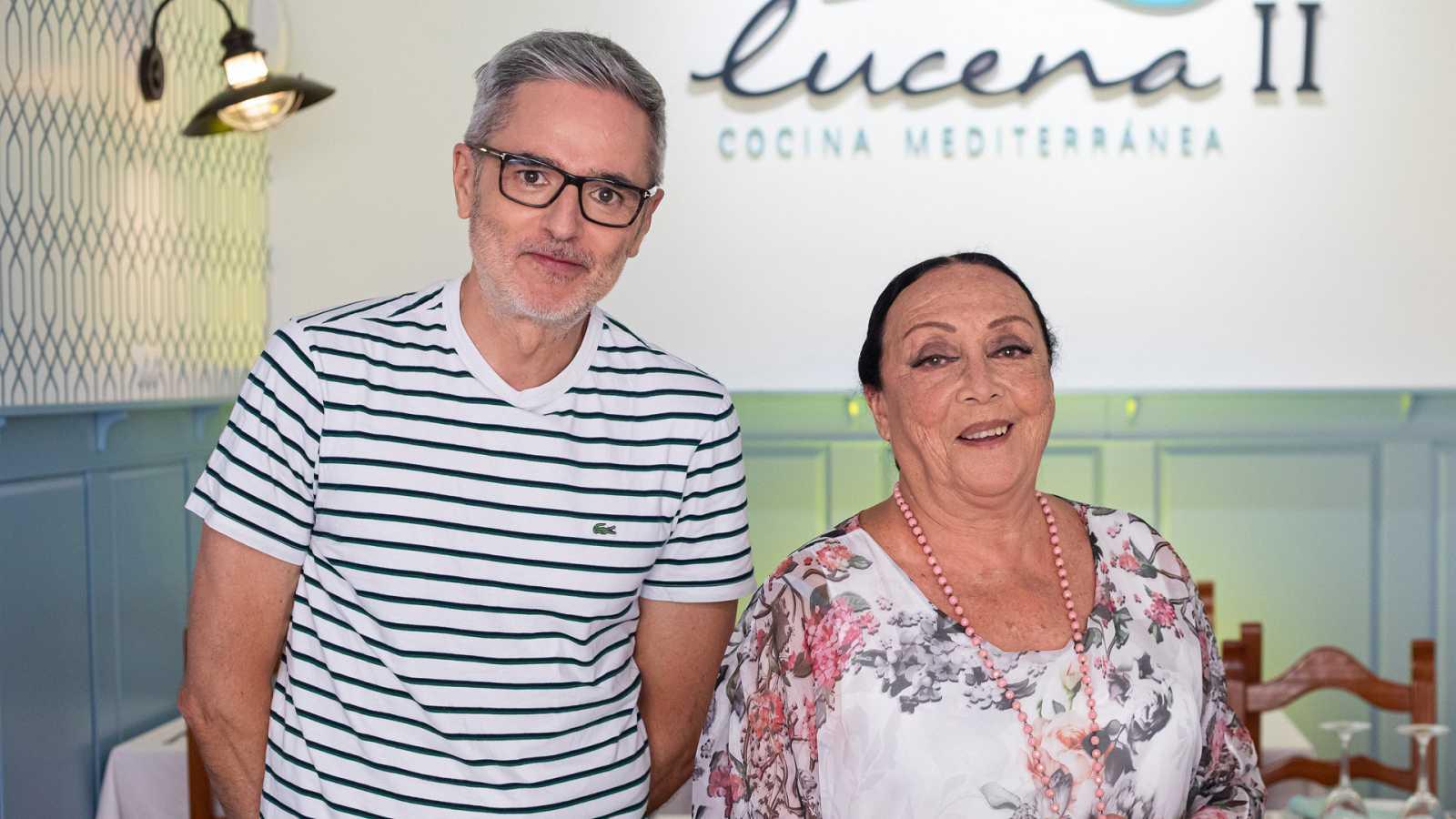 Mikel López Iturriaga y Betty Missiego