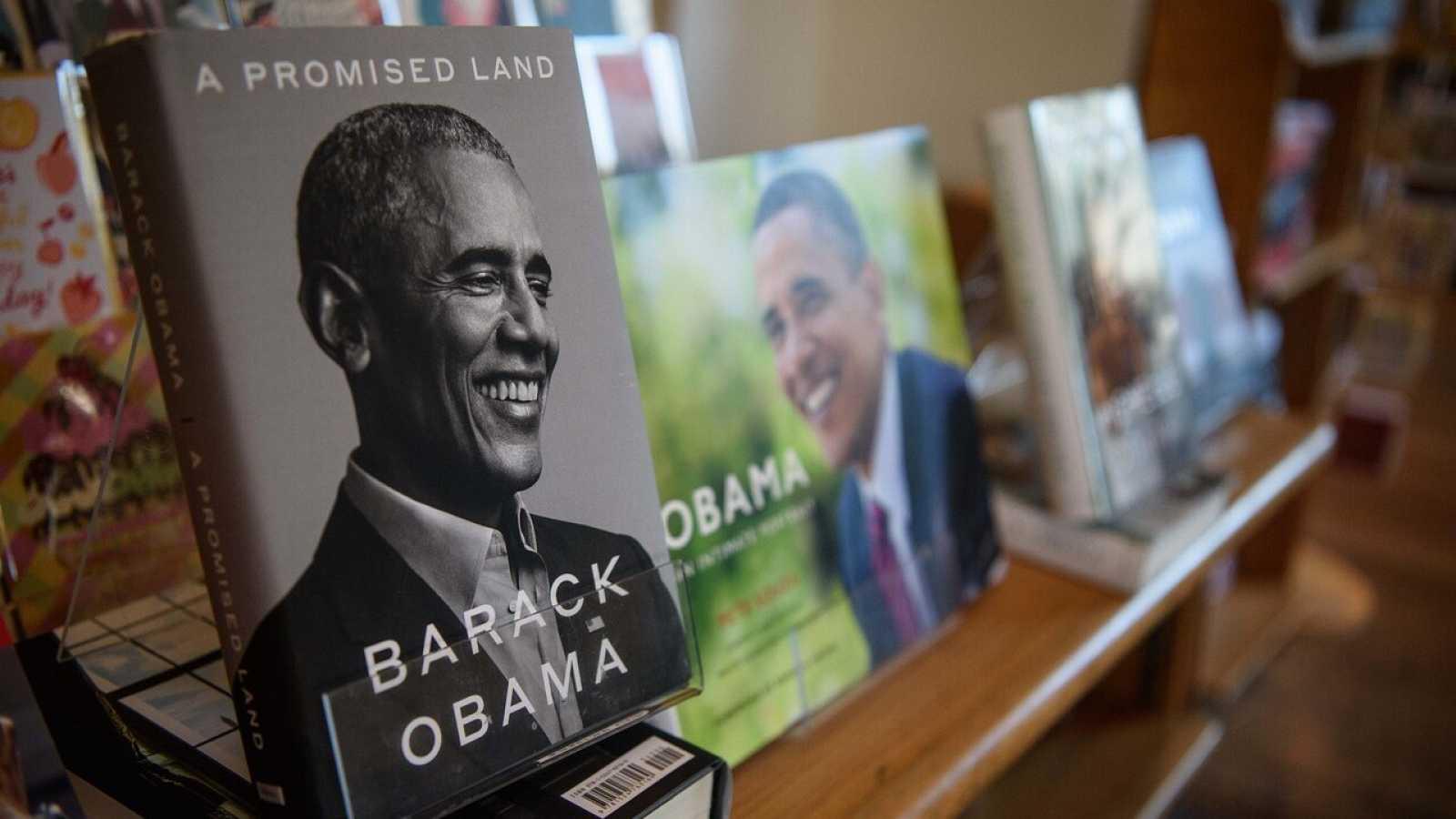 El libro del expresidente Obama, en una librería de Washington