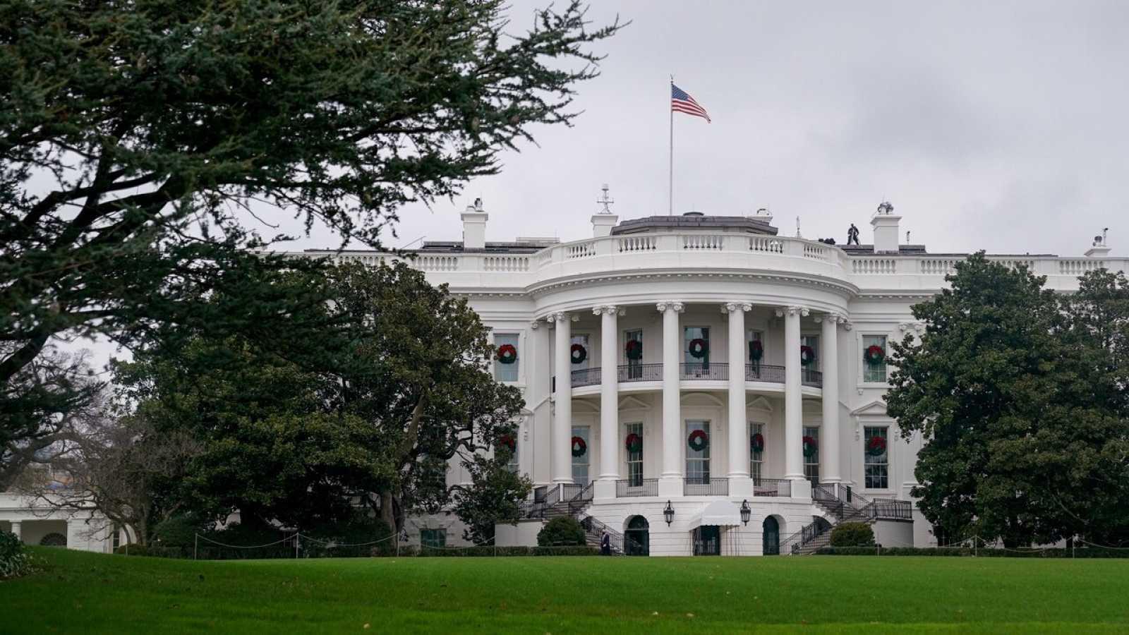 Se está investigando las actividades de personas que se pusieron en contacto con funcionarios de Trump con el objetivo de lograr un indulto