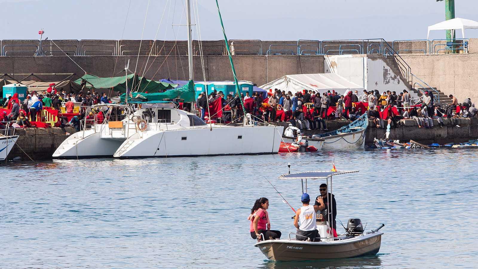 Vista del muelle grancanario de Arguineguín, que durante meses alojó a numerosos migrantes hasta ser desalojado la pasada semana.