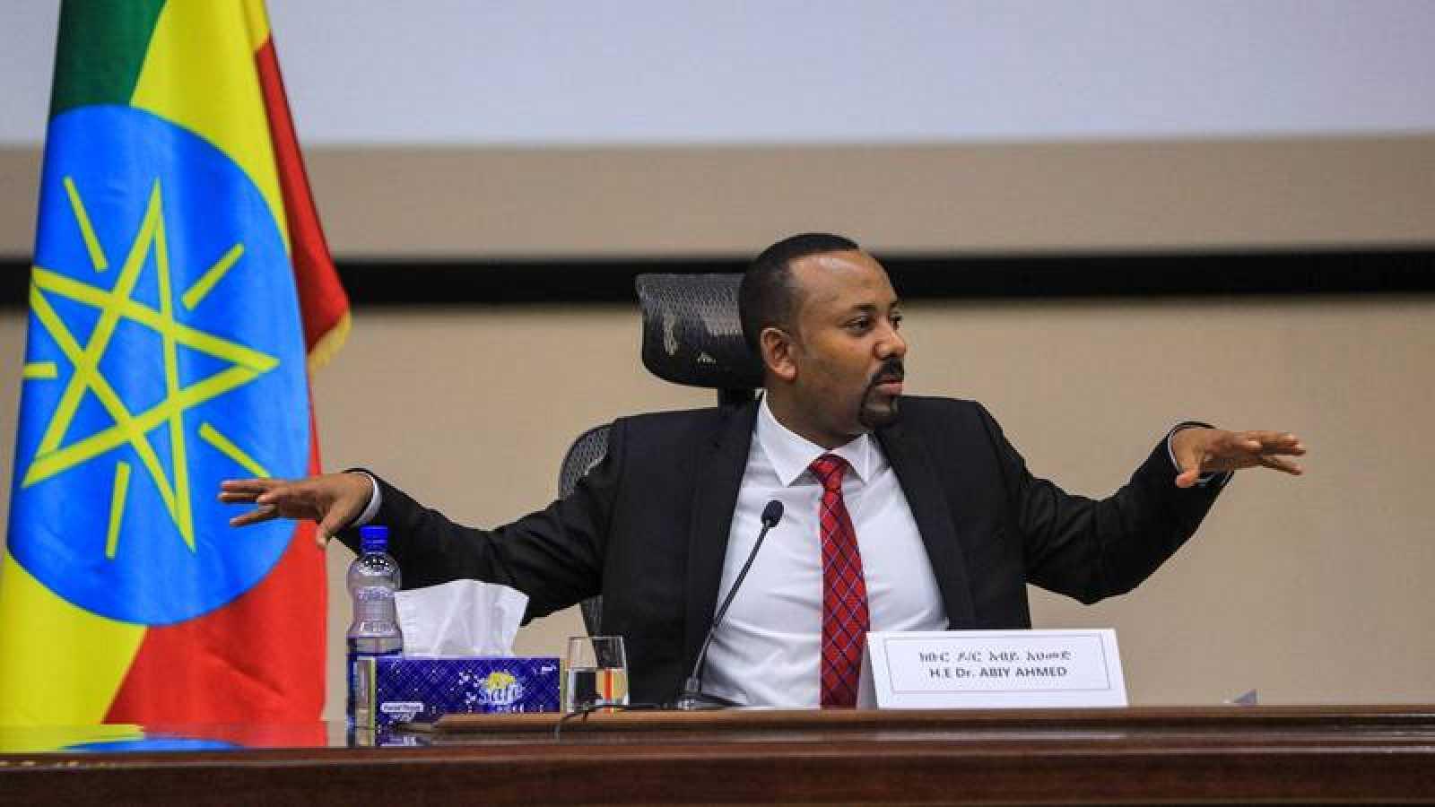 El primer ministro etíope, Abiy Ahmed, en una sesión de preguntas y respuestas en el parlamento.