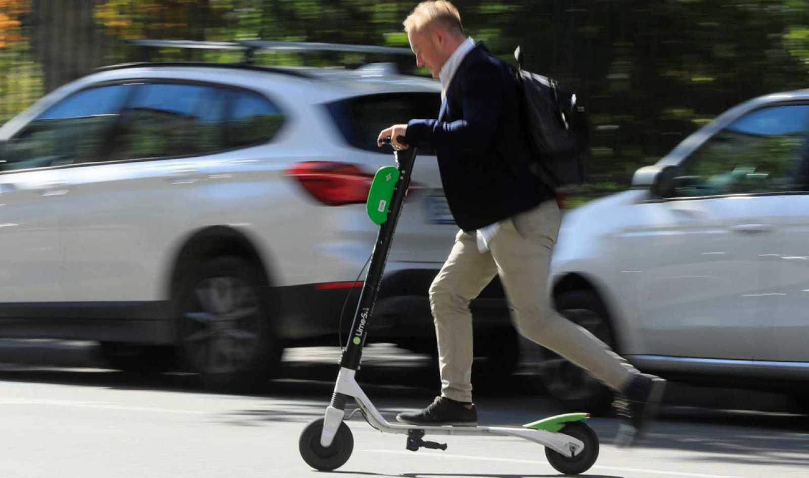 Así es el nuevo reglamento del patinete eléctrico: del límite de velocidad a  la prohibición de circular por las aceras
