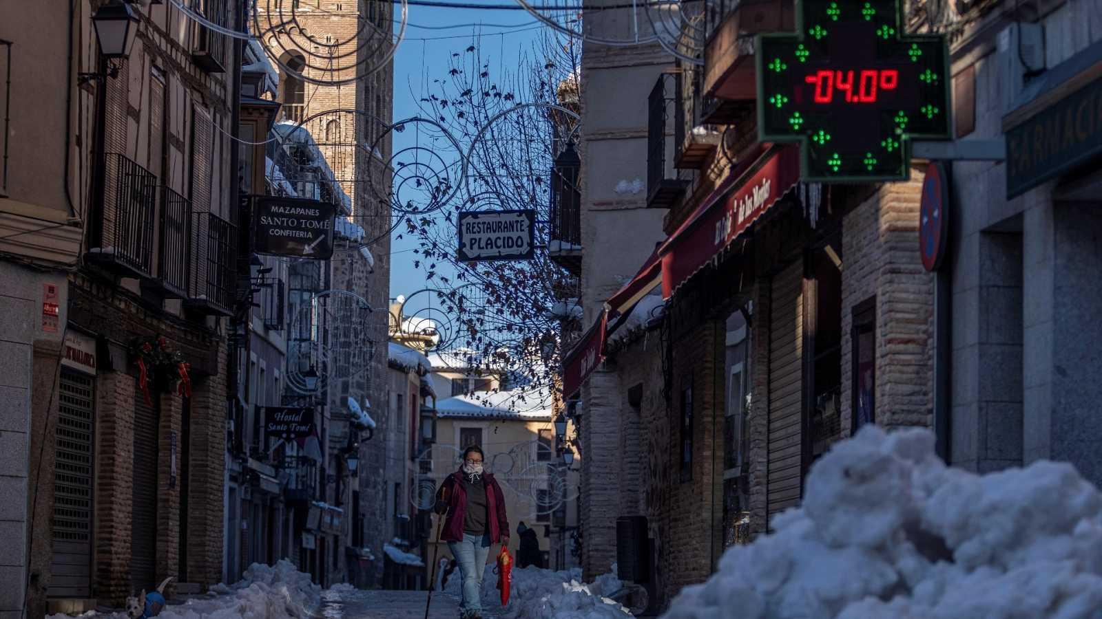 El frío polar cede aunque aún mantiene en alerta a doce comunidades