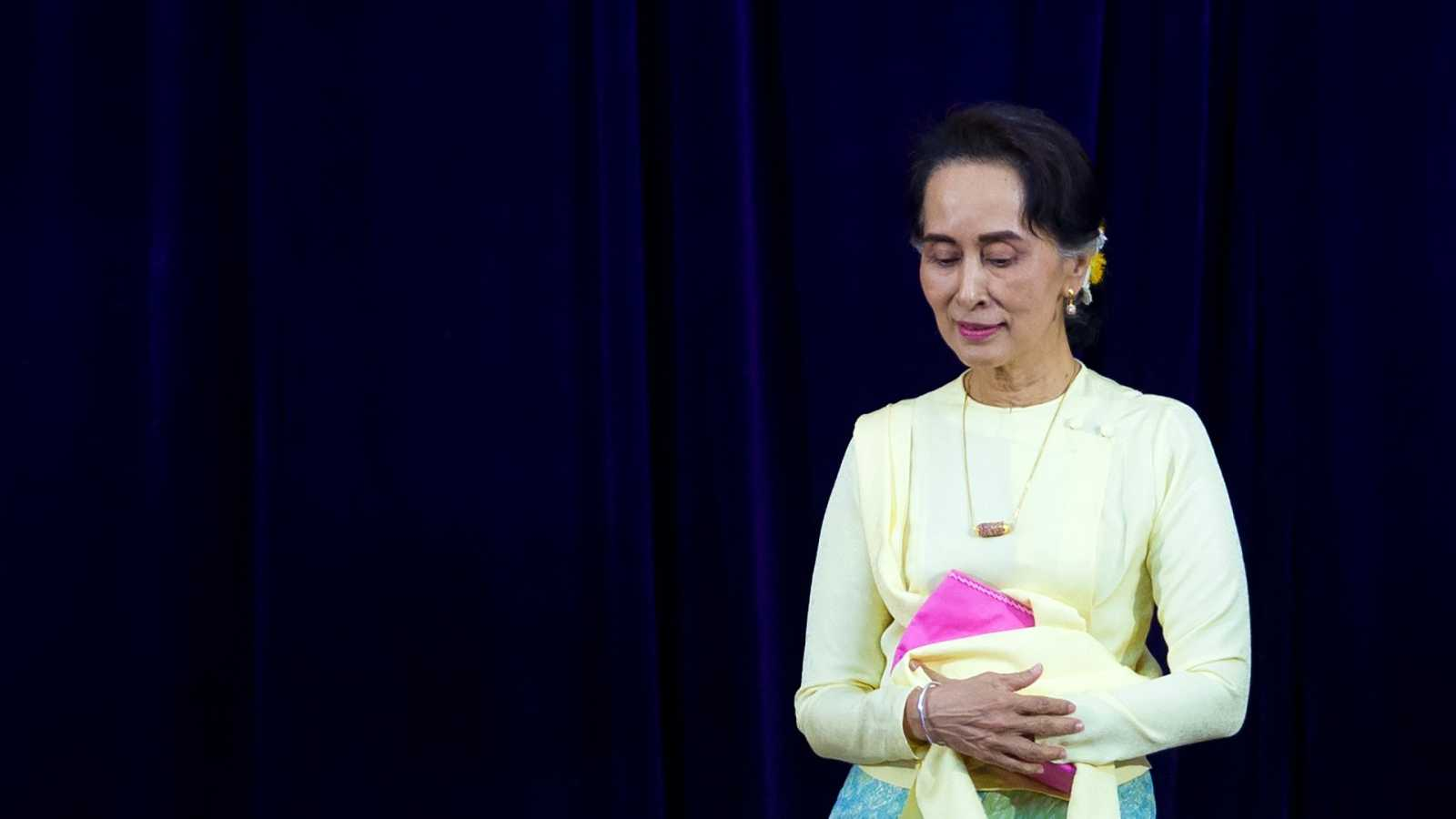 La jefa de Gobierno de facto de Birmania y Nobel de la Paz, Aung San Suu Kyi.