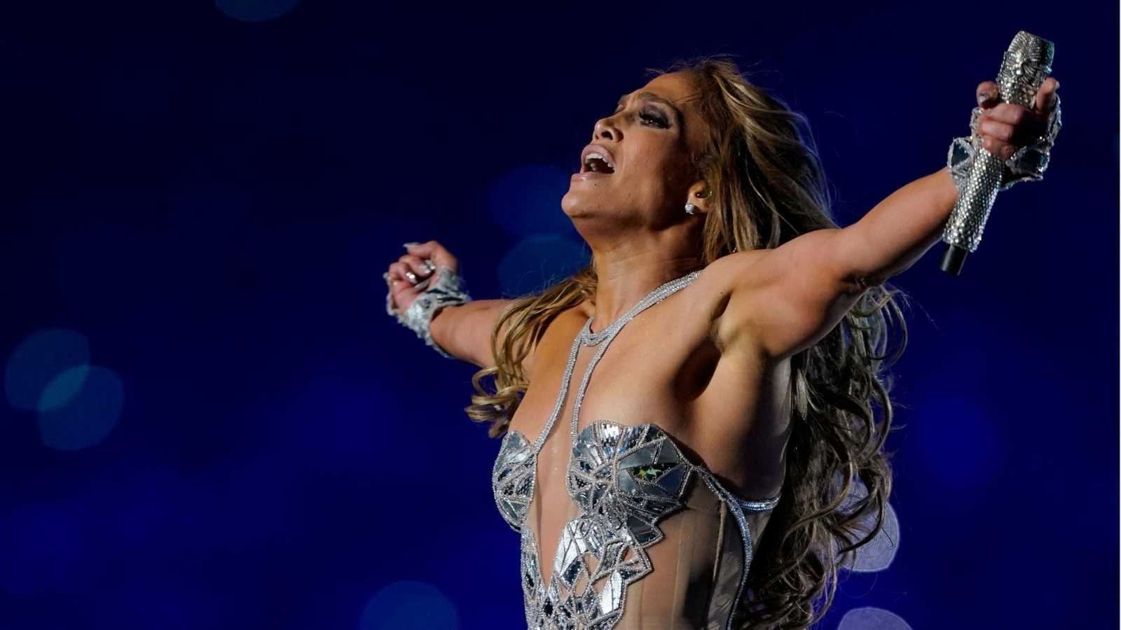 Jennifer López durante su actuación en la Super Bowl 2020