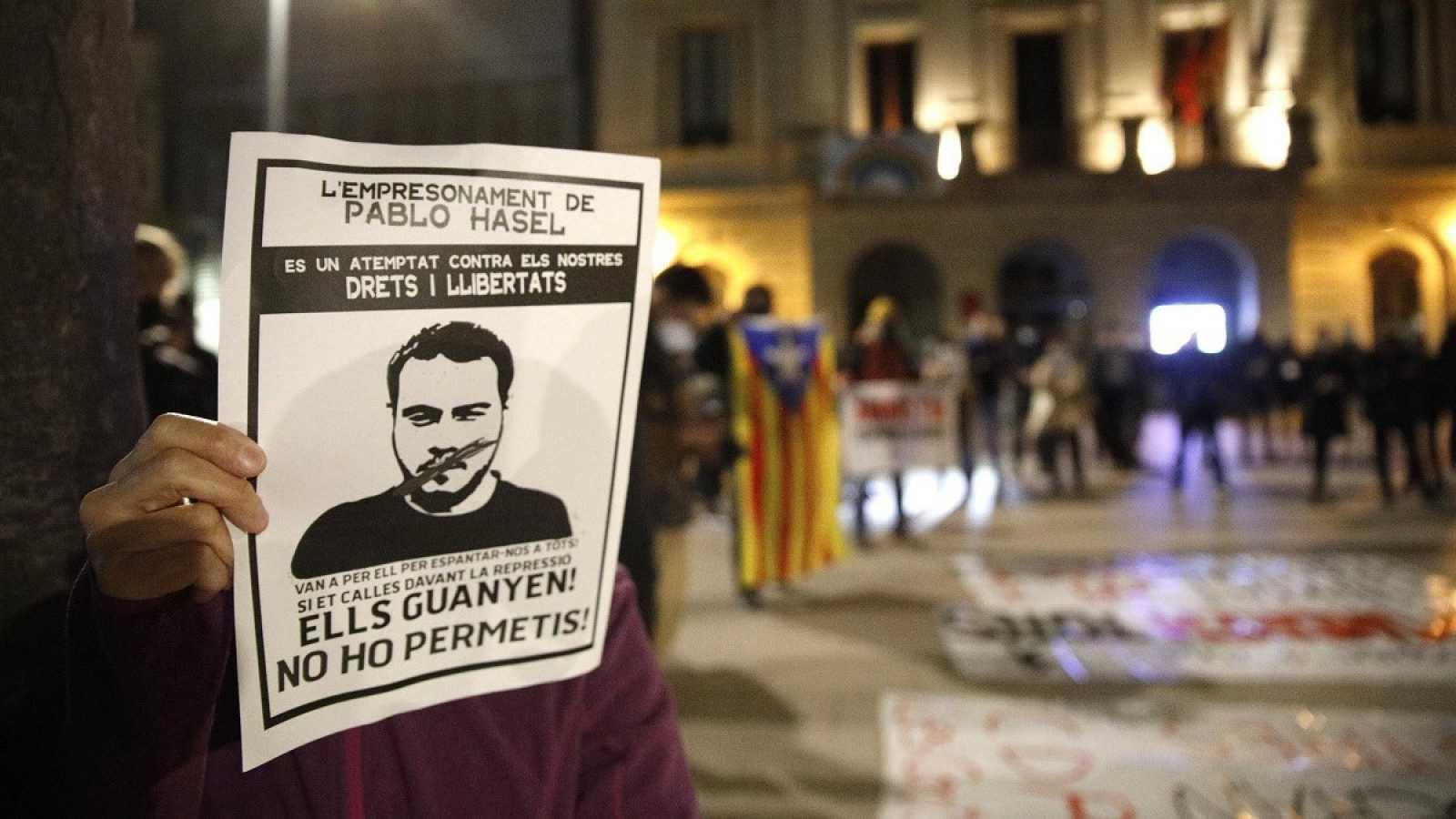 Manifiestación en Barcelona para pedir la libertad del rapero Pablo Hasél