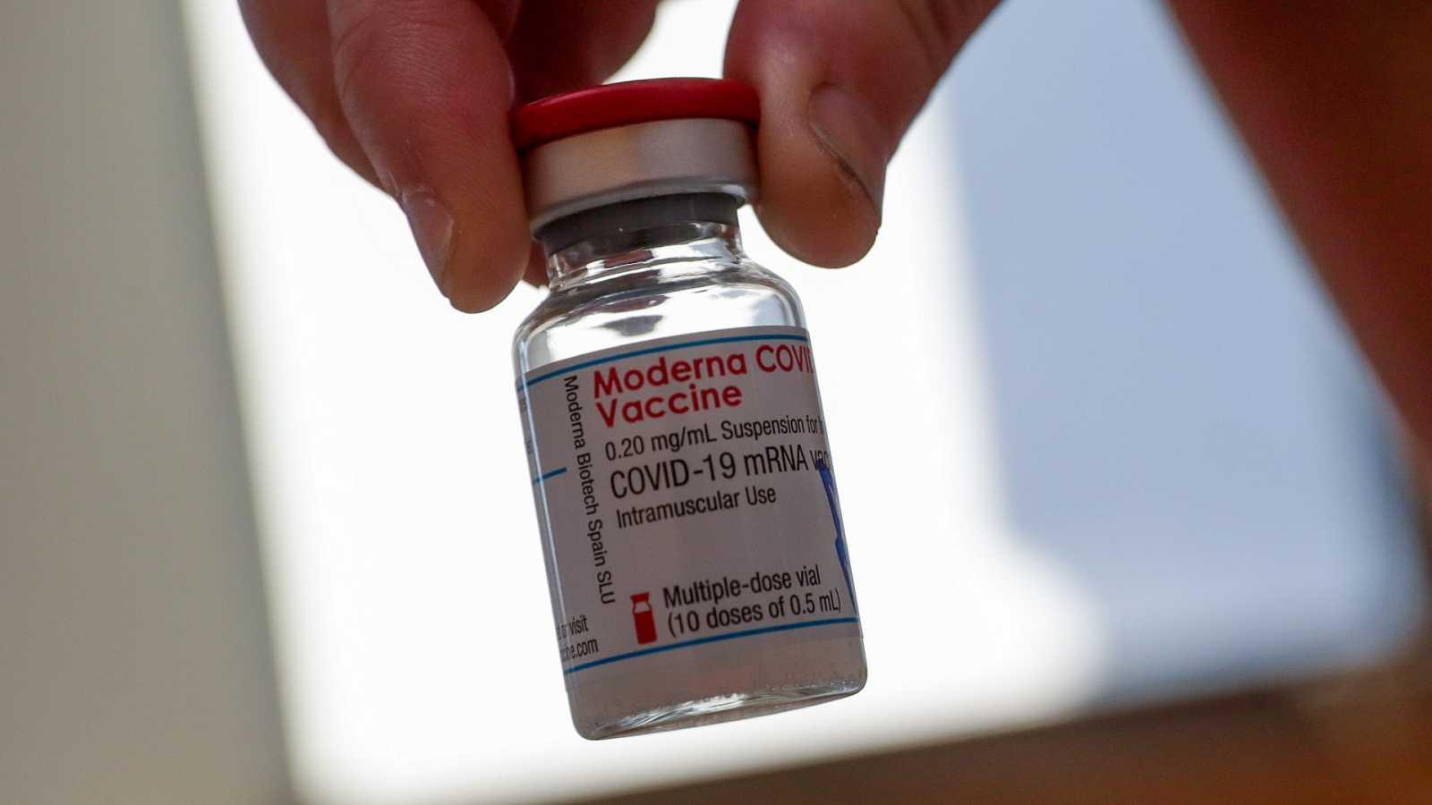 Una dosis de la vacuna de Moderna