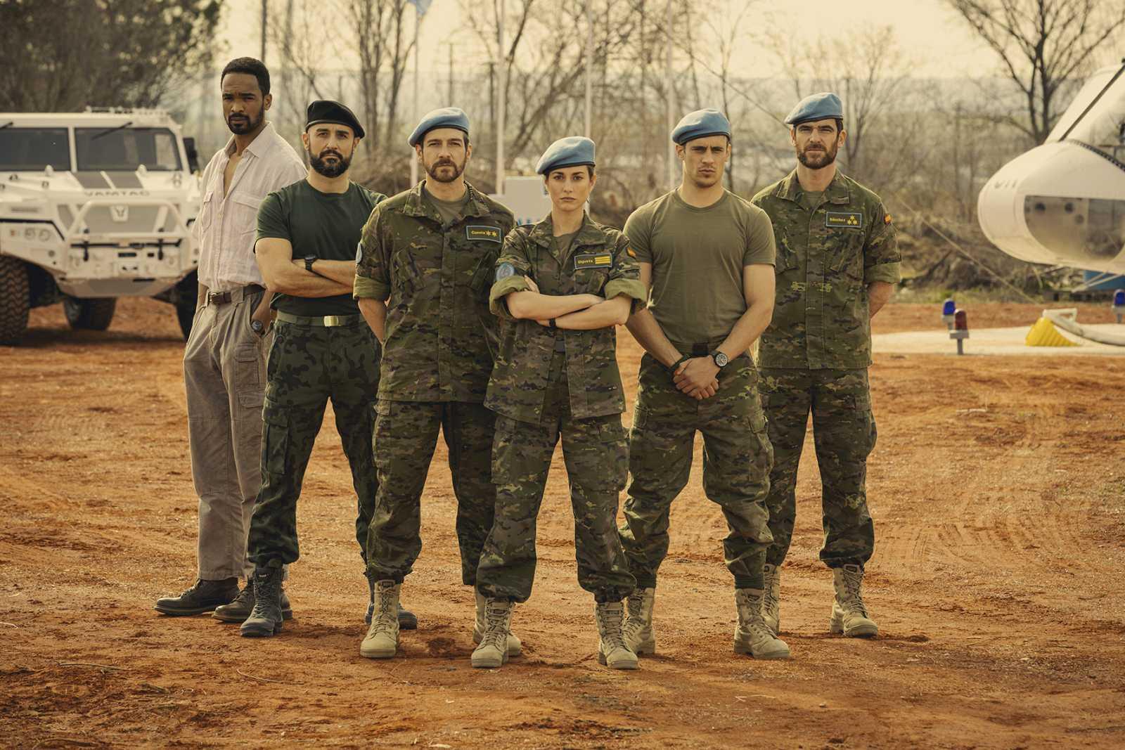 Will Sephard, Alain Hernández, Félix Gómez, Silvia Alonso, Martiño Rivas y Alfonso Bassave, protagonistas de 'Fuerza de paz'