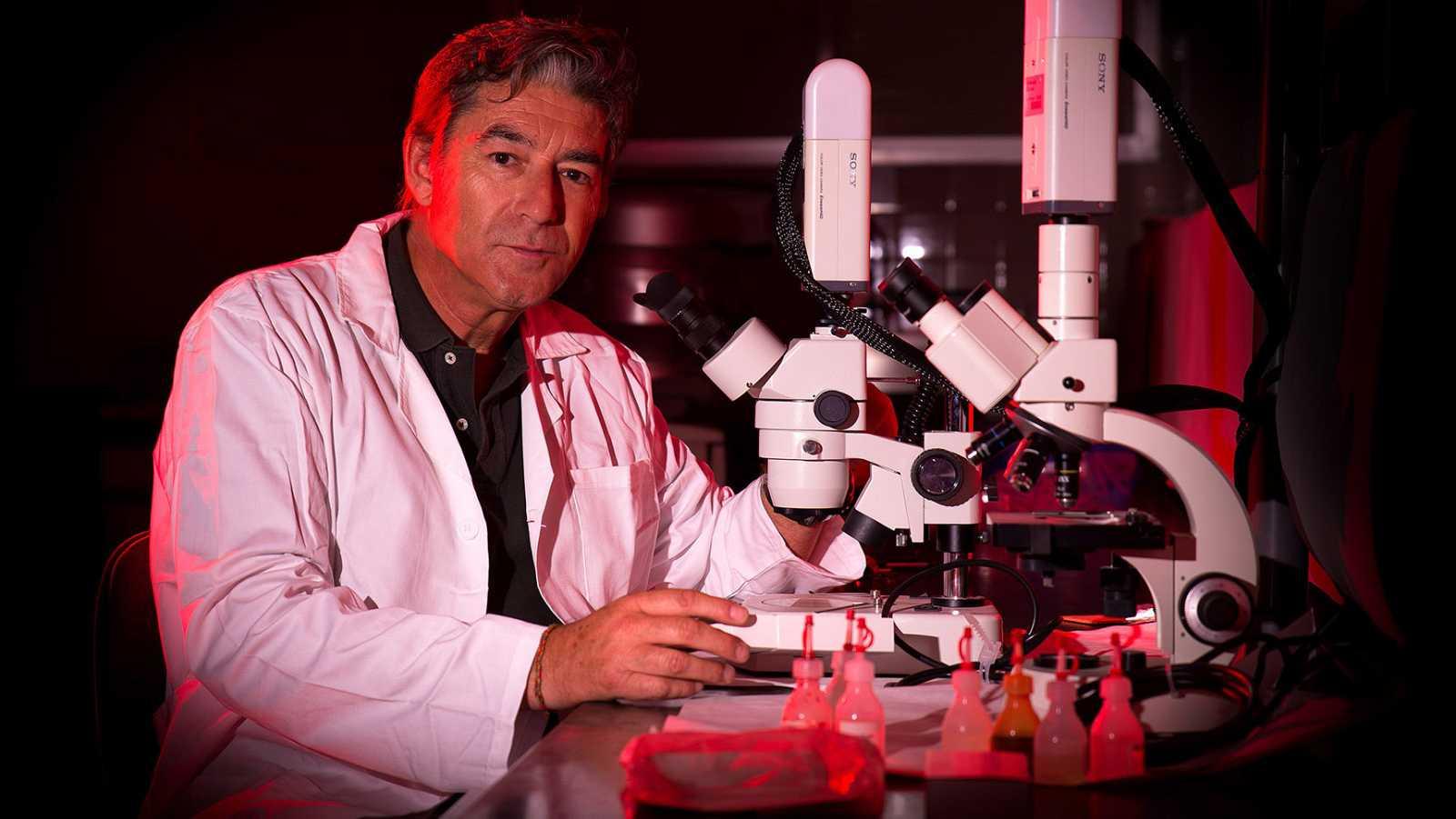 Luis Monje, biólogo y profesor de fotografía científica.
