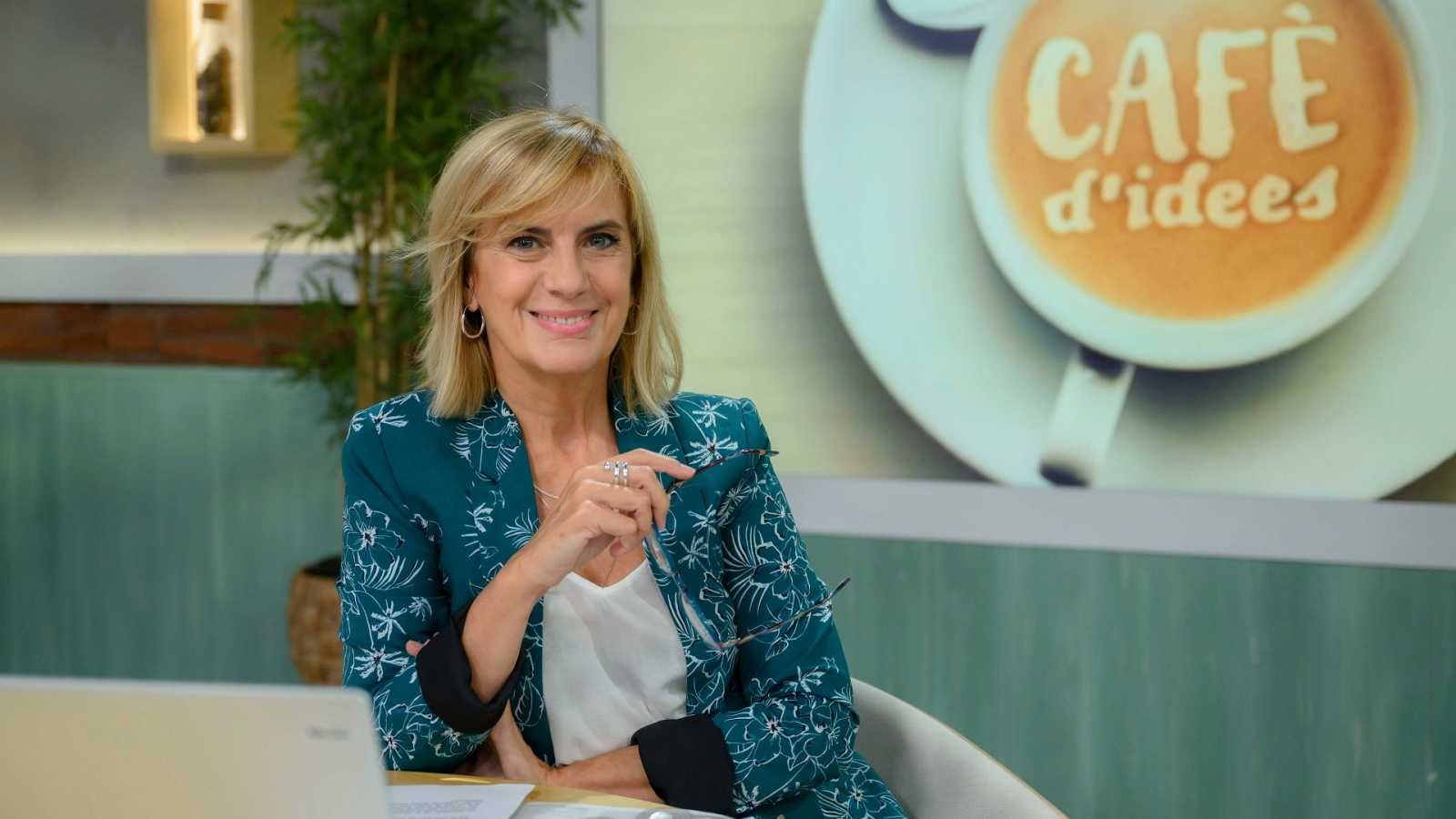 Gemma Nierga al plató del 'Cafè d'idees'