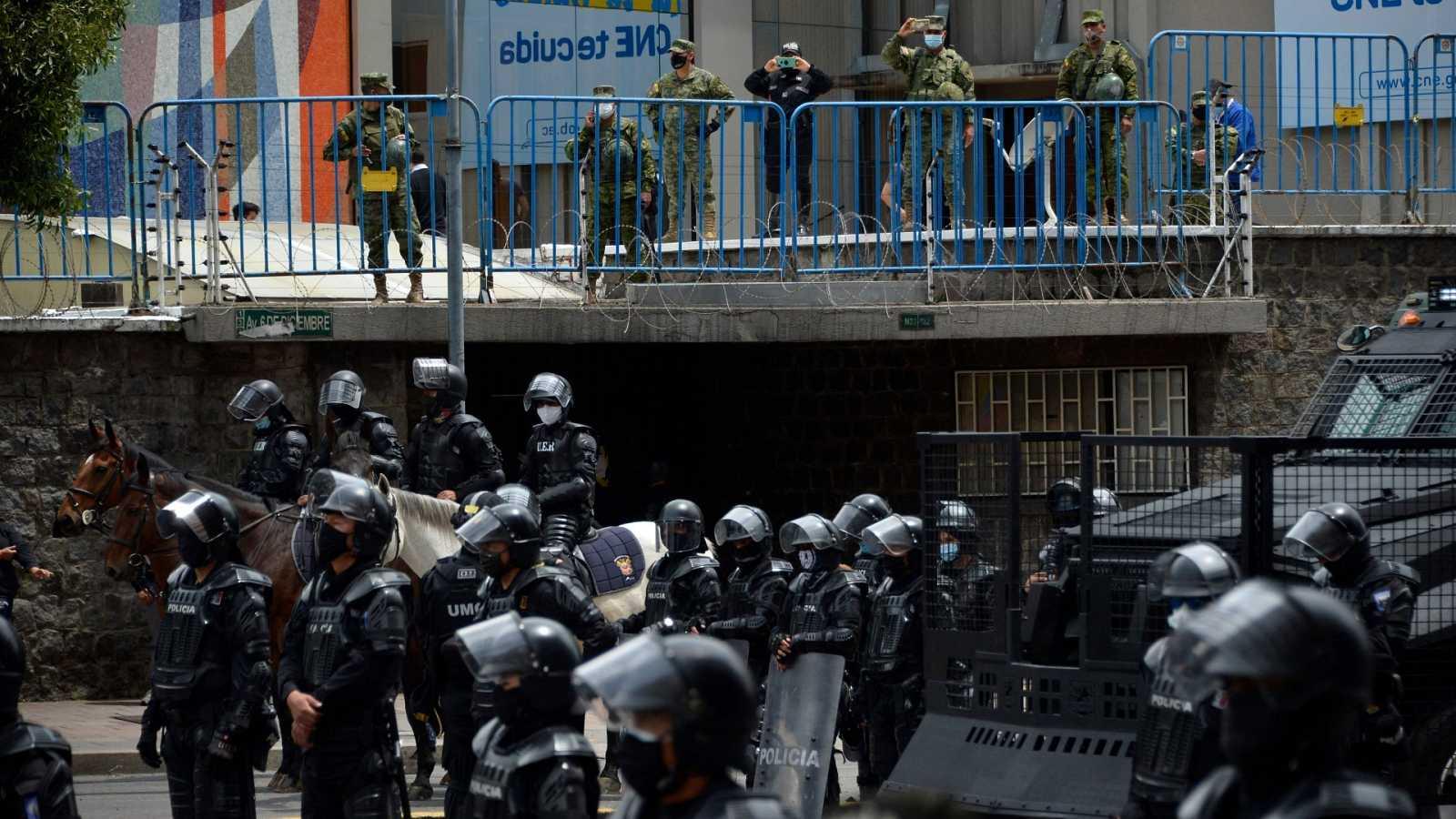 Al menos 79 muertos en enfrentamientos entre bandas en varias cárceles de Ecuador