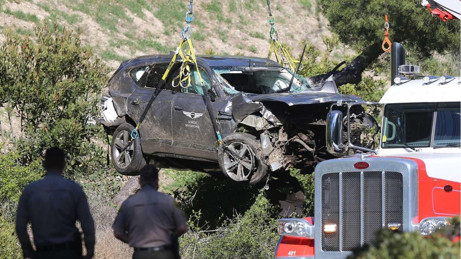 Tiger Woods, las fotos de su coche destrozado tras el accidente