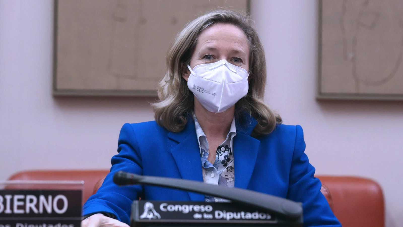 La vicepresidenta económica, Nadia Calviño, comparece en la Comisión Mixta de la UE en el Congreso