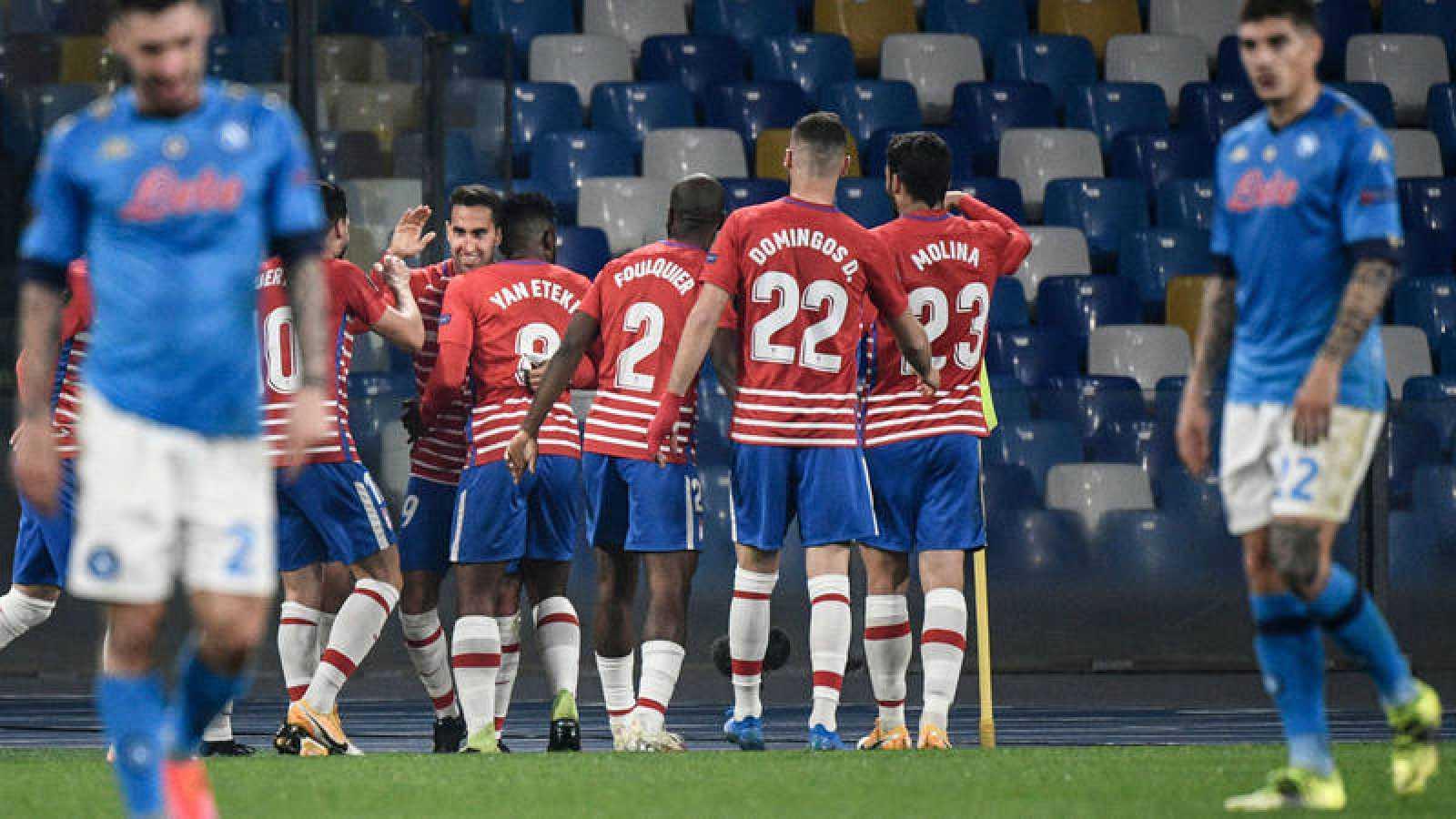 El Granada certifica el pase en Nápoles a pesar de la derrota y el Villarreal vuelve a vencer en casa. La Real Sociedad empata en Manchester donde sólo un milagro hubiese significado el pase de ronda.