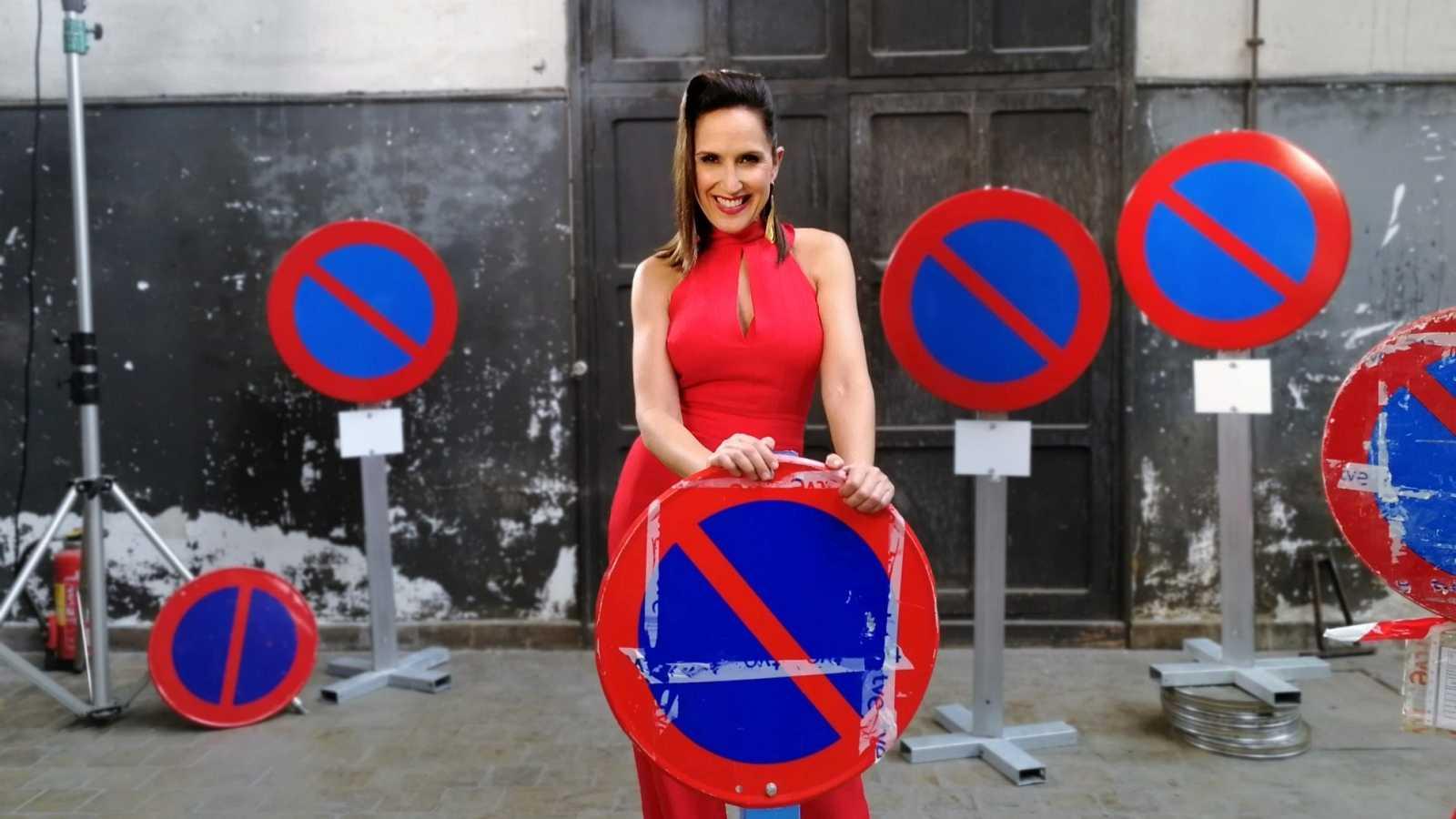 Virginia Díaz con carteles