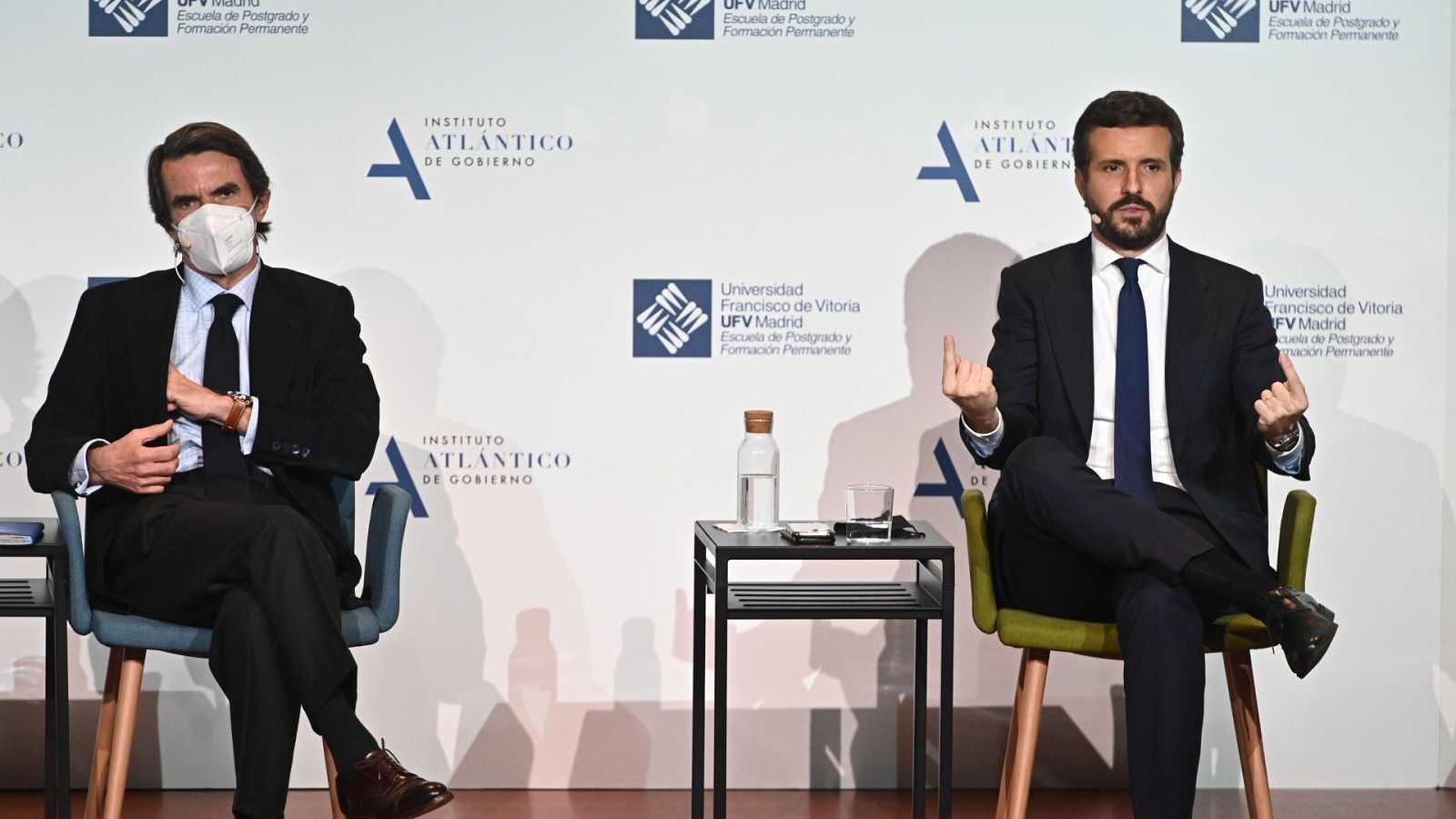 """Casado reivindica el nuevo PP ante Aznar y avisa: """"Pinchan en hueso quienes busquen dividirnos con los predecesores"""""""