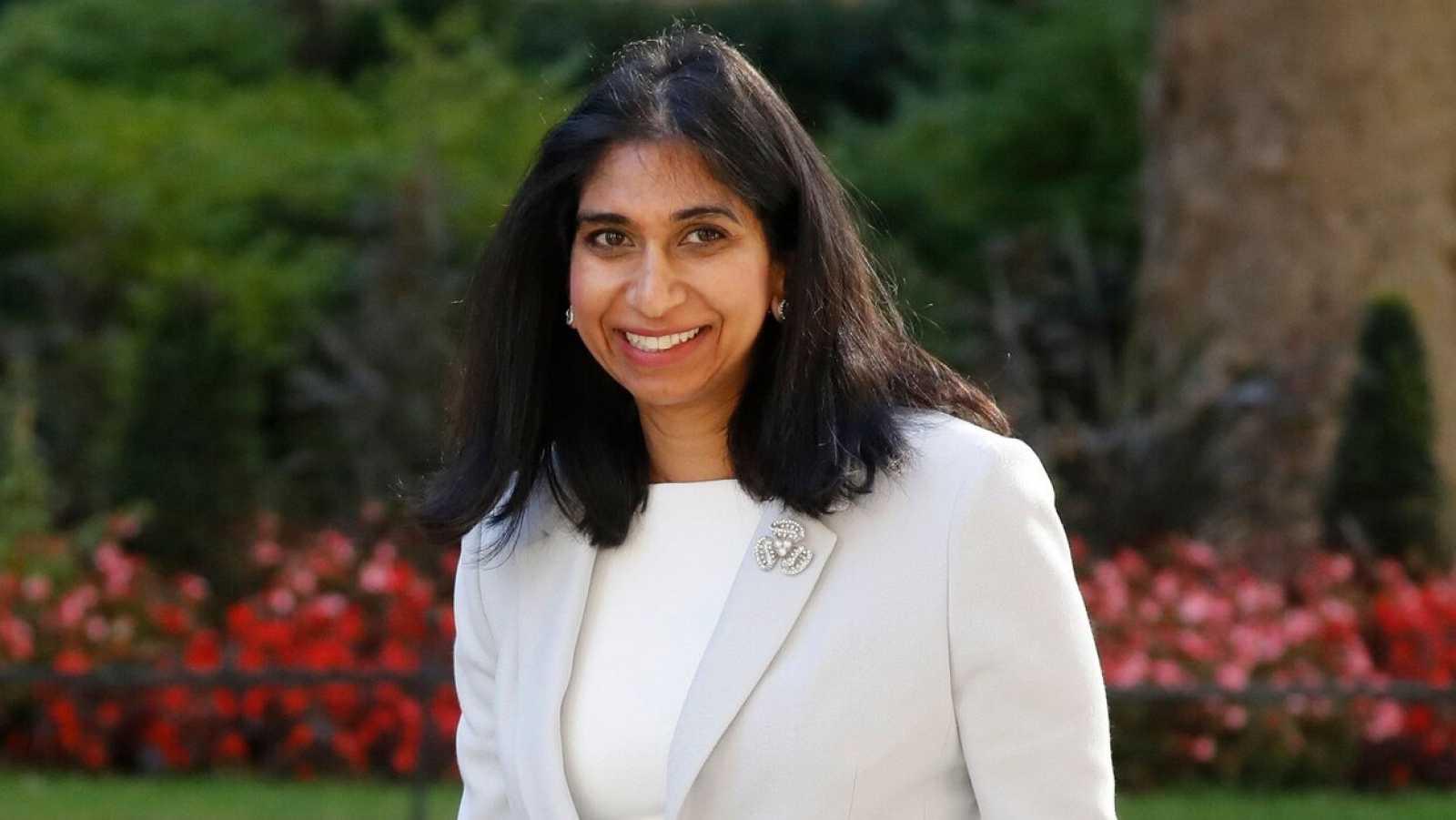 La fiscal general de Reino Unido, Suella Braverman, quien se convertirá en la primera ministra en acceder a una baja por maternidad