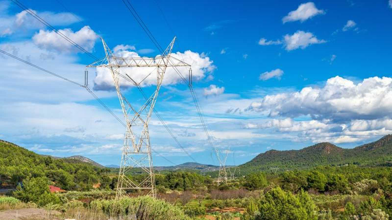 Torres de alta tensión en la Comunidad Valenciana