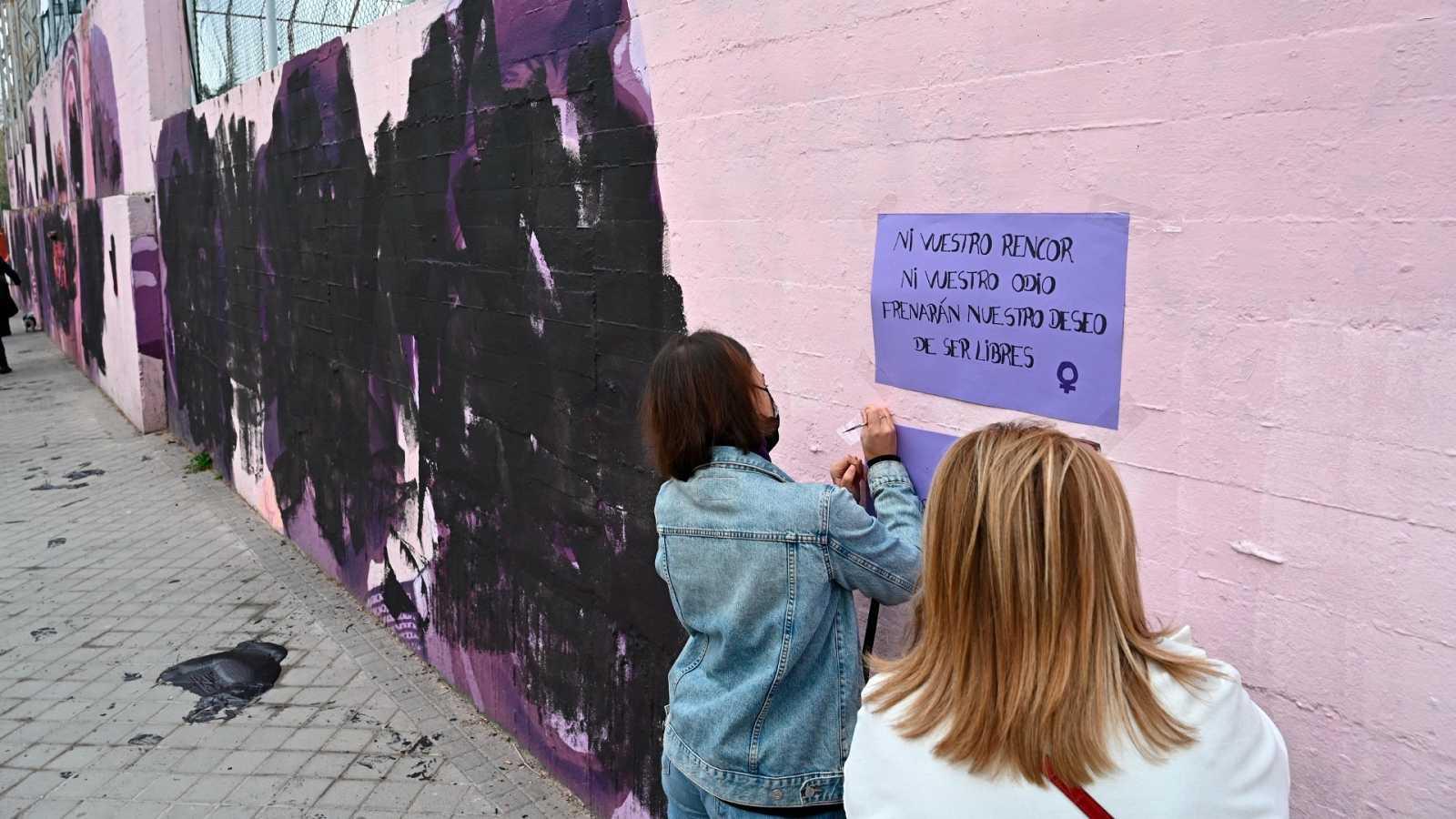 El mural feminista de Ciudad Lineal, en Madrid, amanece vandalizado