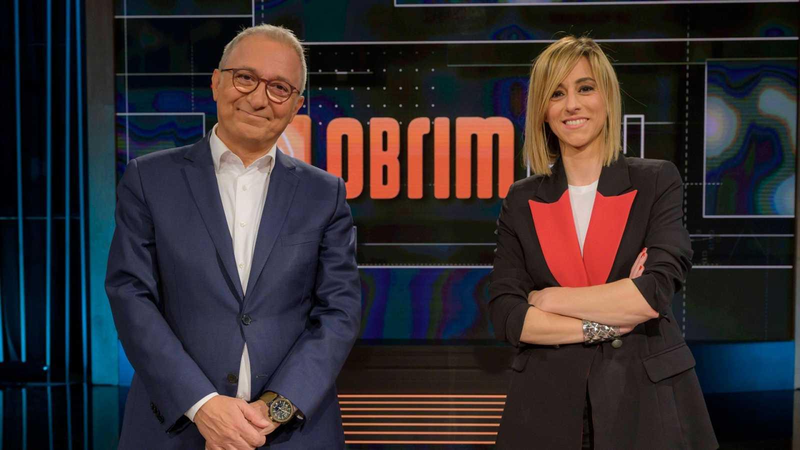 Xavier Sardà i Ana Boadas al plató del programa 'Obrim fil'