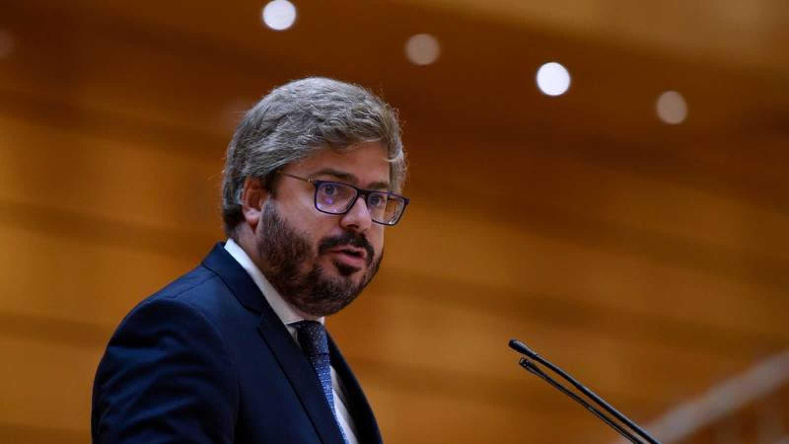 Francisco Hervías interviene durante un pleno en el Senado