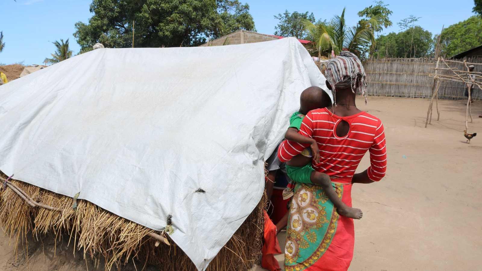 Una mujer en el campo de desplazados de Cabo Delgado, en el norte de Mozambique