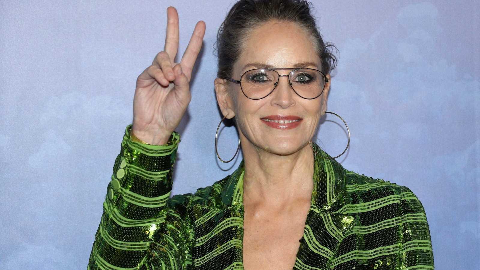 La actriz Sharon Stone en la gala Global Ocean Gala de Los Angeles de 2020 vestida de verde