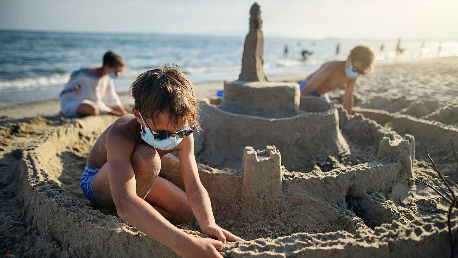 Coronavirus - ¿Es realmente necesario llevar mascarilla en la playa?