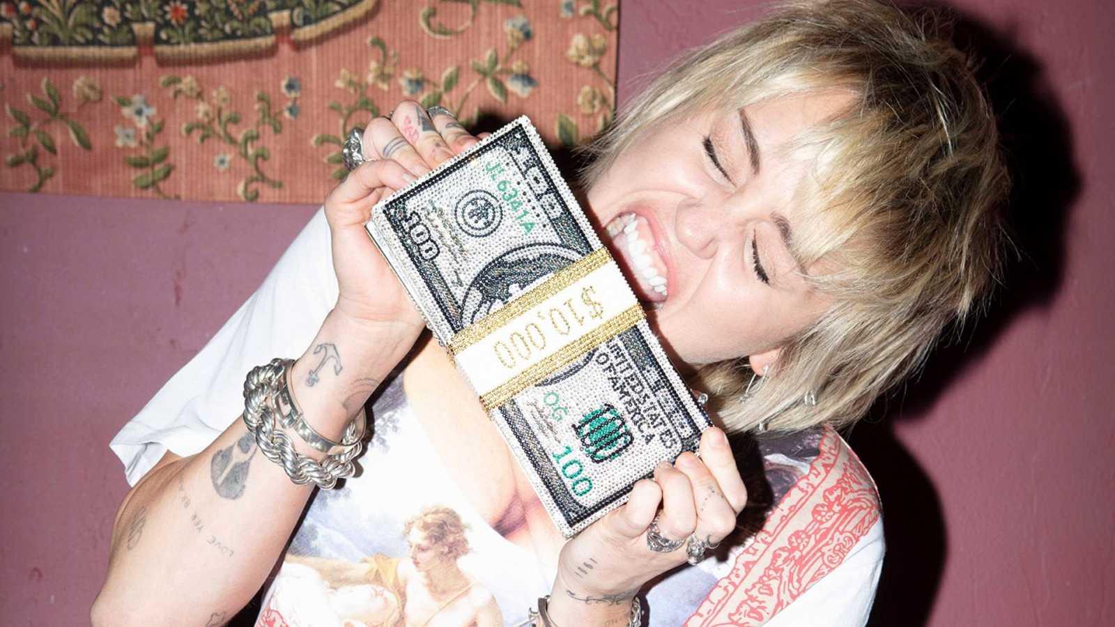 Miley Cyrus versiona a Queen y... medio mundo vuelve a rendirse a sus covers