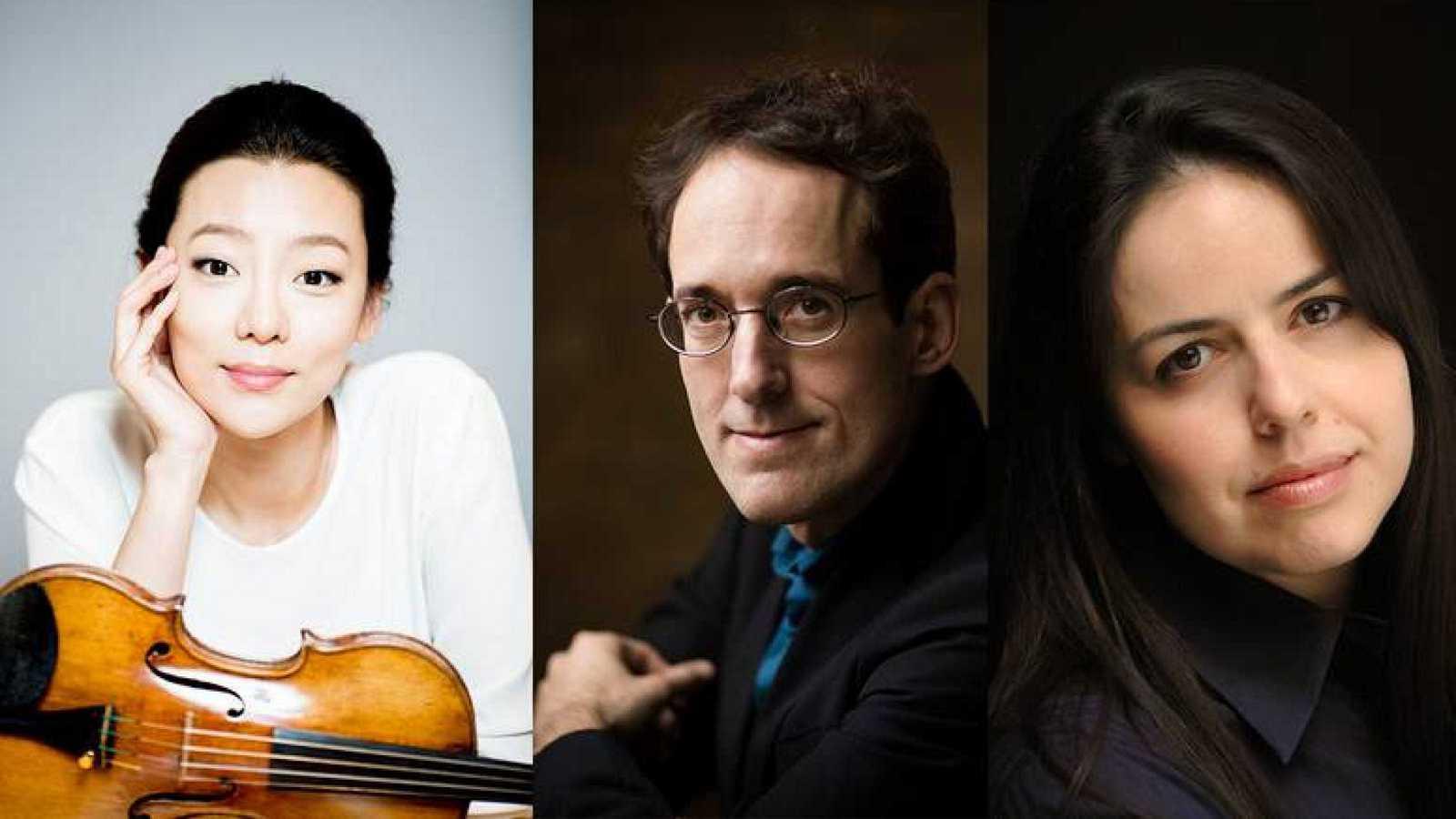 La violinista Clara-Jumi Kang, el maestro Pablo González y la soprano María Espada