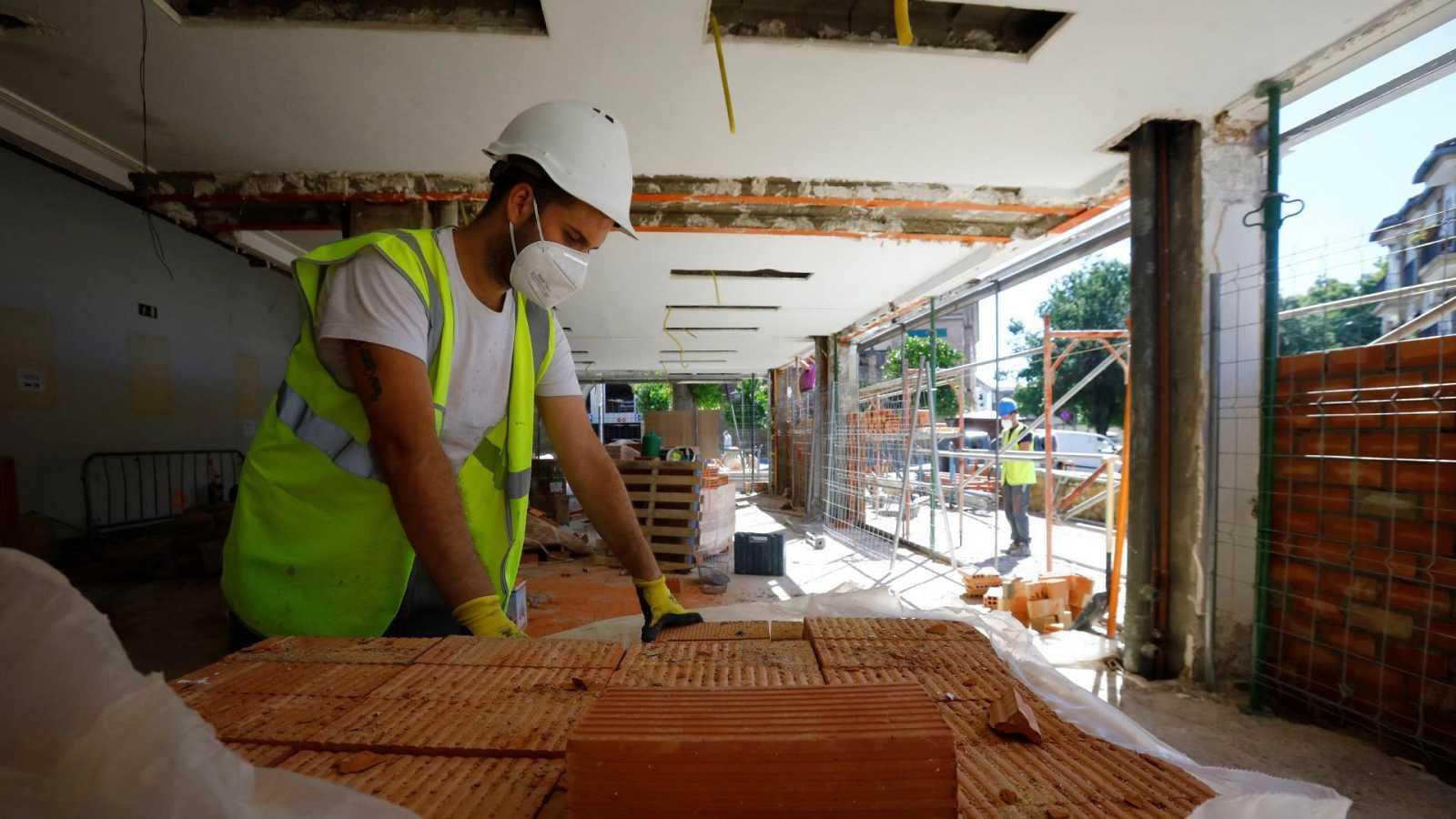 Un trabajador del sector de la construcción en Córdoba