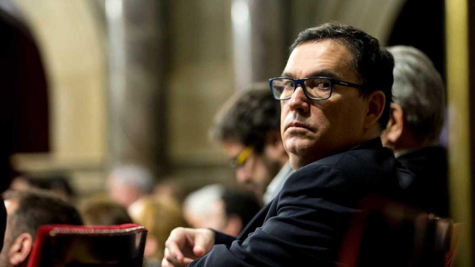 L'advocat Jaume Alonso-Cuevillas ha formalitzat aquest dimecres la seva renúncia a la Mesa del Parlament
