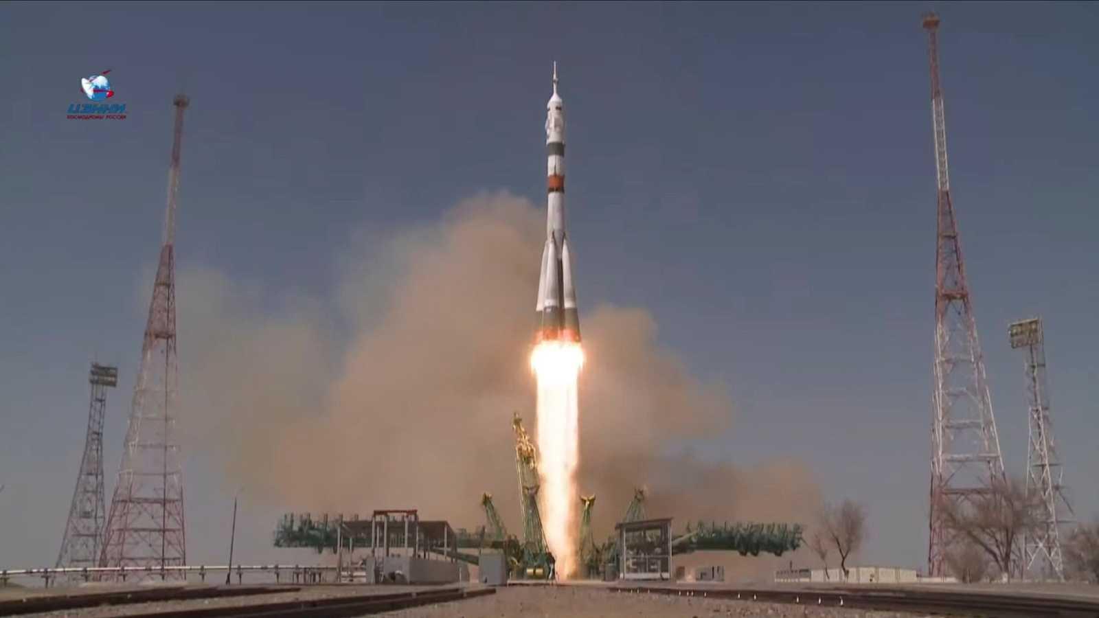 La Soyuz MS-18 despega rumbo a la Estación Espacial Internacional en el 60 aniversario del primer vuelo del hombre al espacio