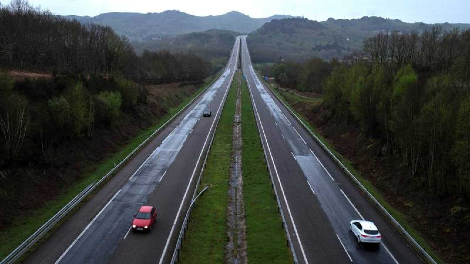 La autovía A-52 a su paso por la localidad orensana de Allariz