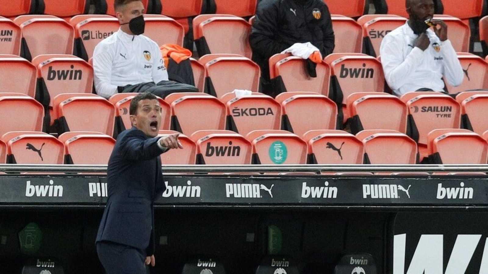 Imagen de Javi Gracia durante el último partido del Valencia en Liga.