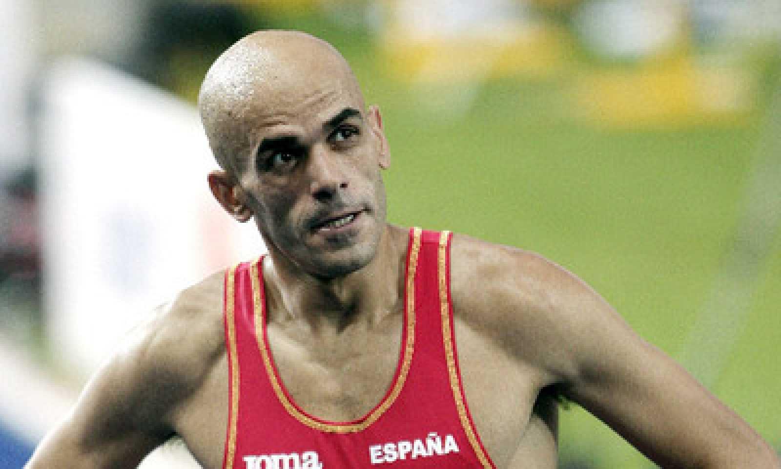 Pla mig de Reyes Estévez en una competició d'atletisme